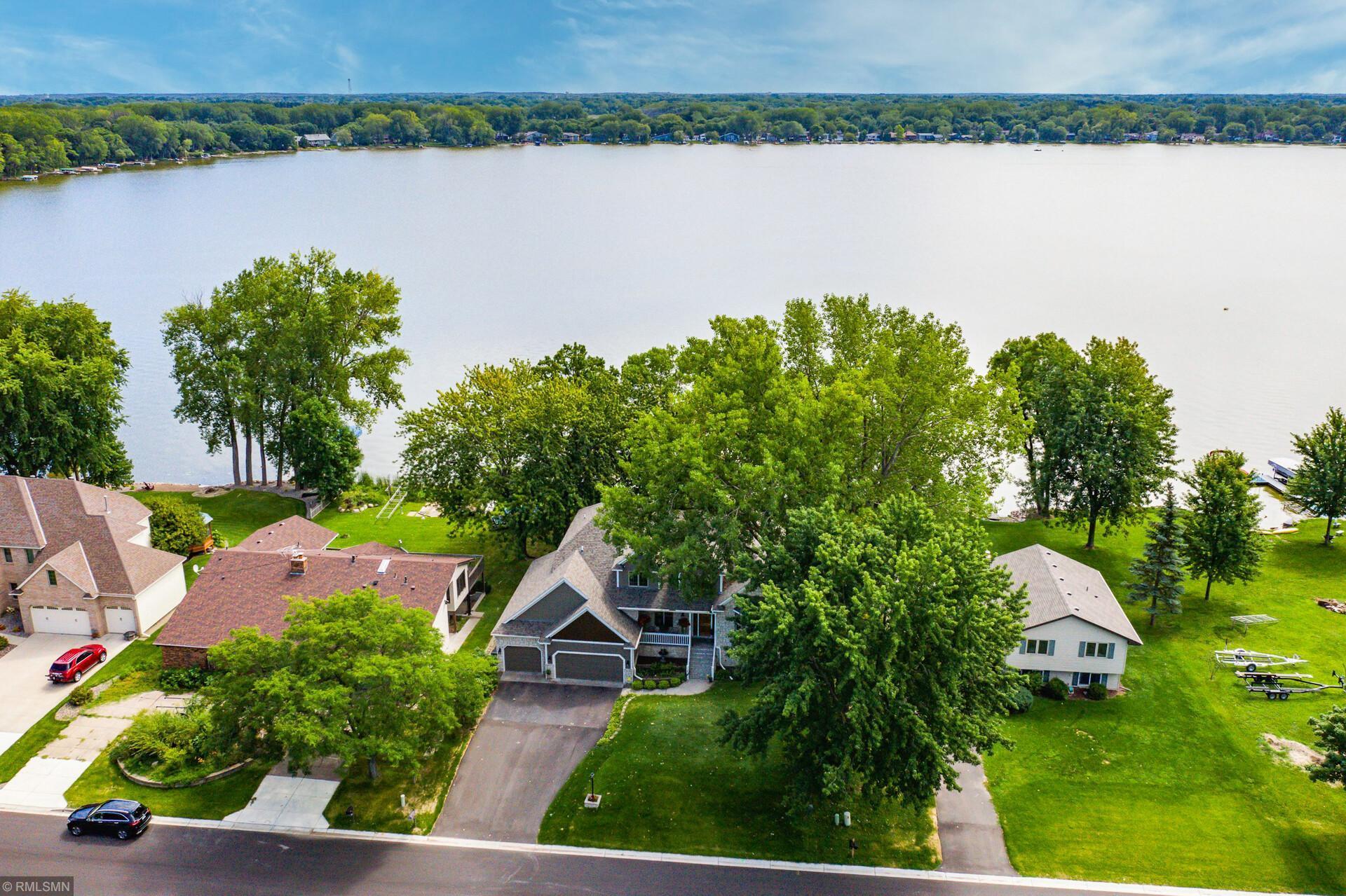 6900 W Shadow Lake Drive Property Photo - Lino Lakes, MN real estate listing
