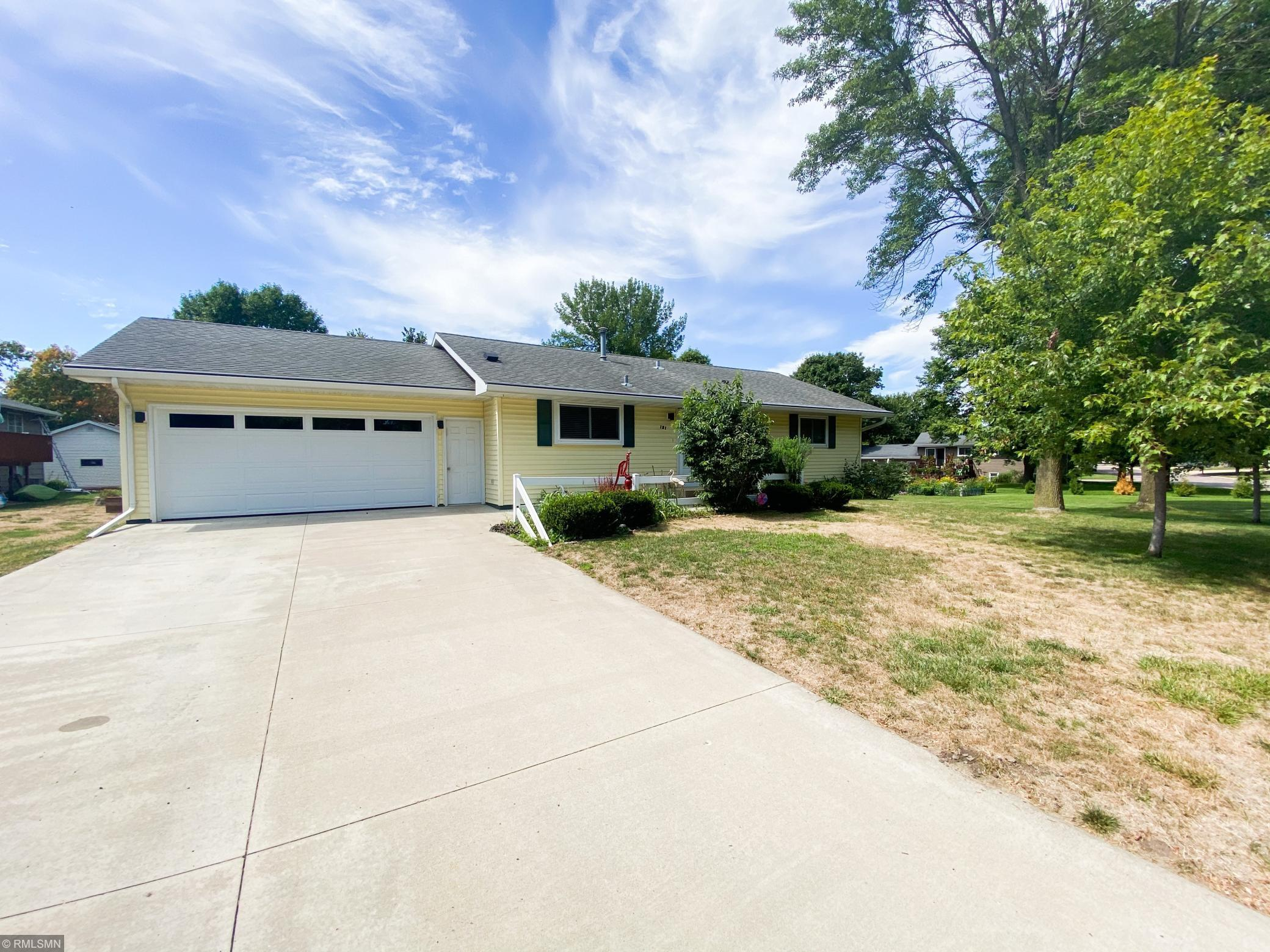 121 Foxborough Lane Property Photo - Le Sueur, MN real estate listing