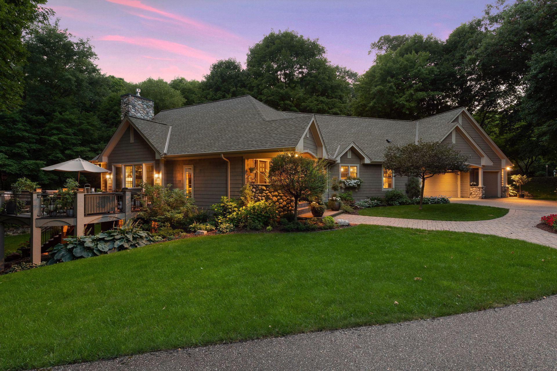 4605 Eastwood Circle Property Photo - Minnetonka, MN real estate listing