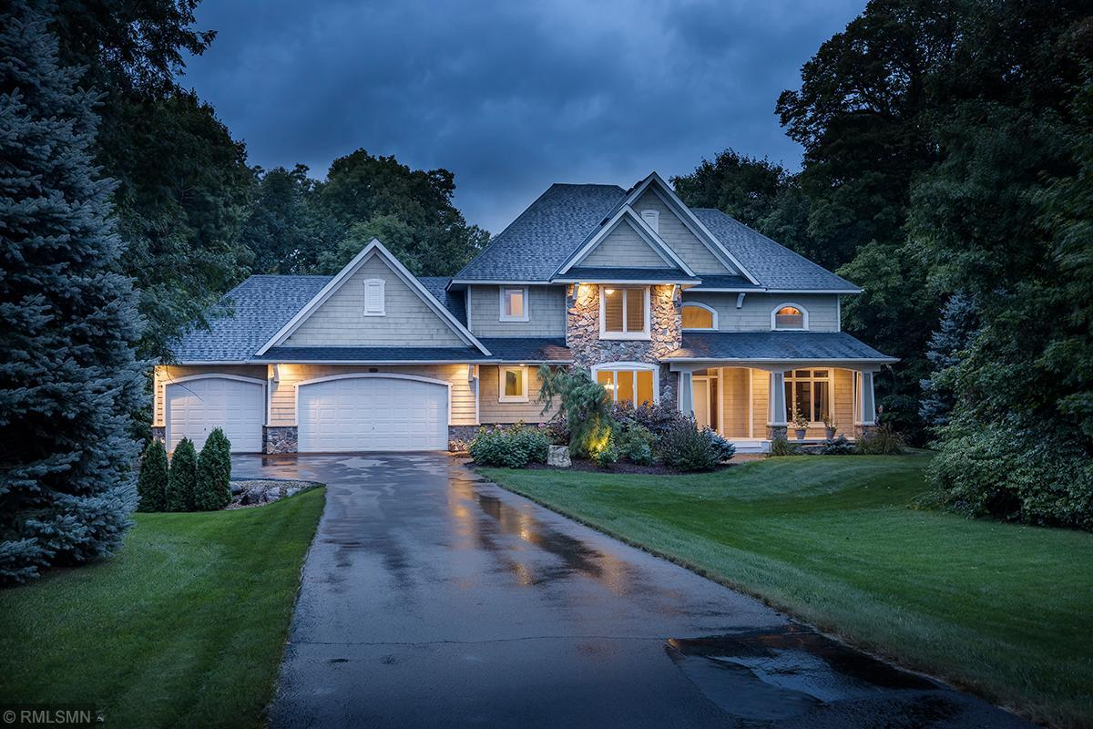 975 Weston Ridge Parkway Property Photo - Chaska, MN real estate listing