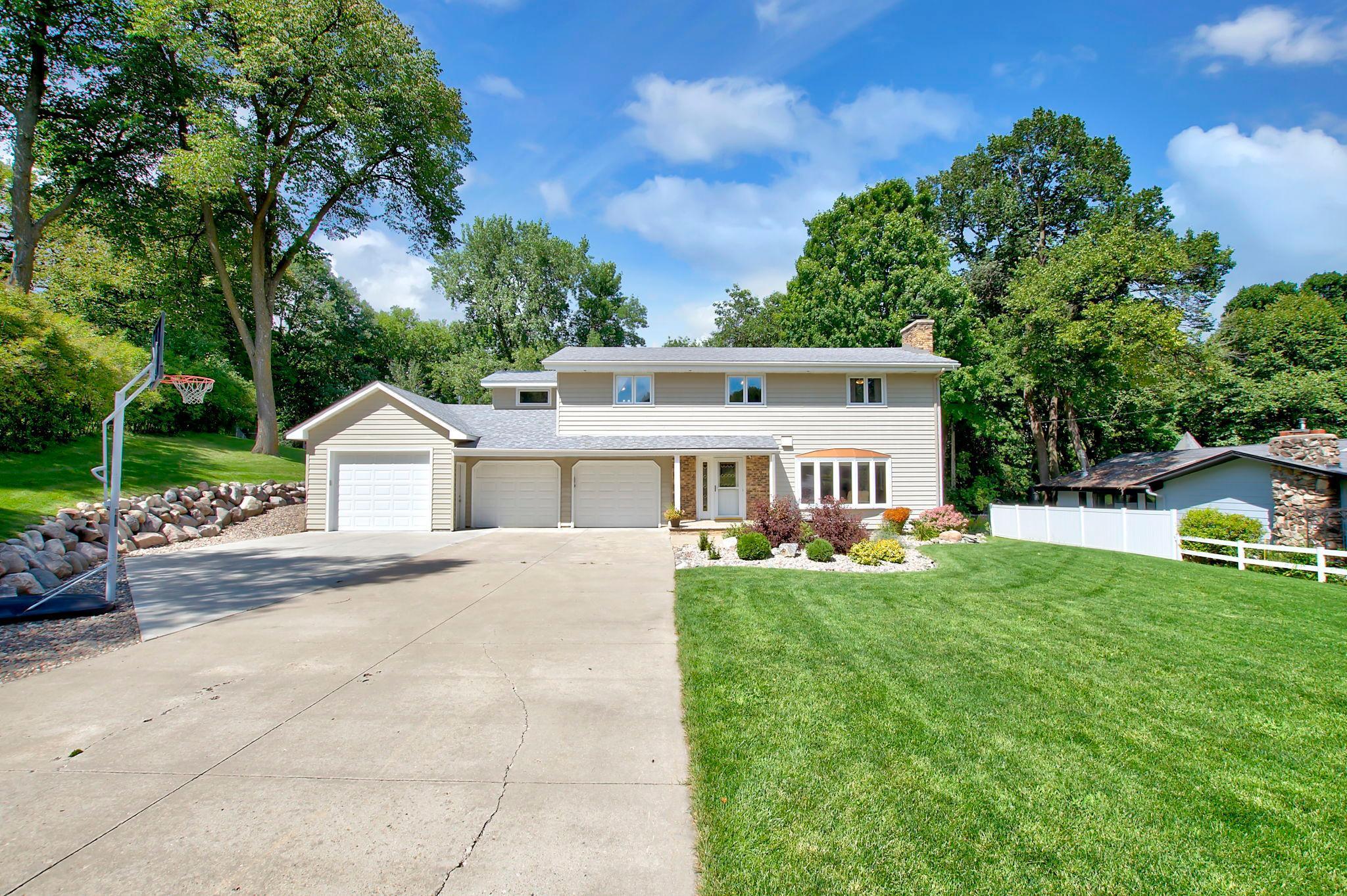 16940 N Manor Road Property Photo - Eden Prairie, MN real estate listing