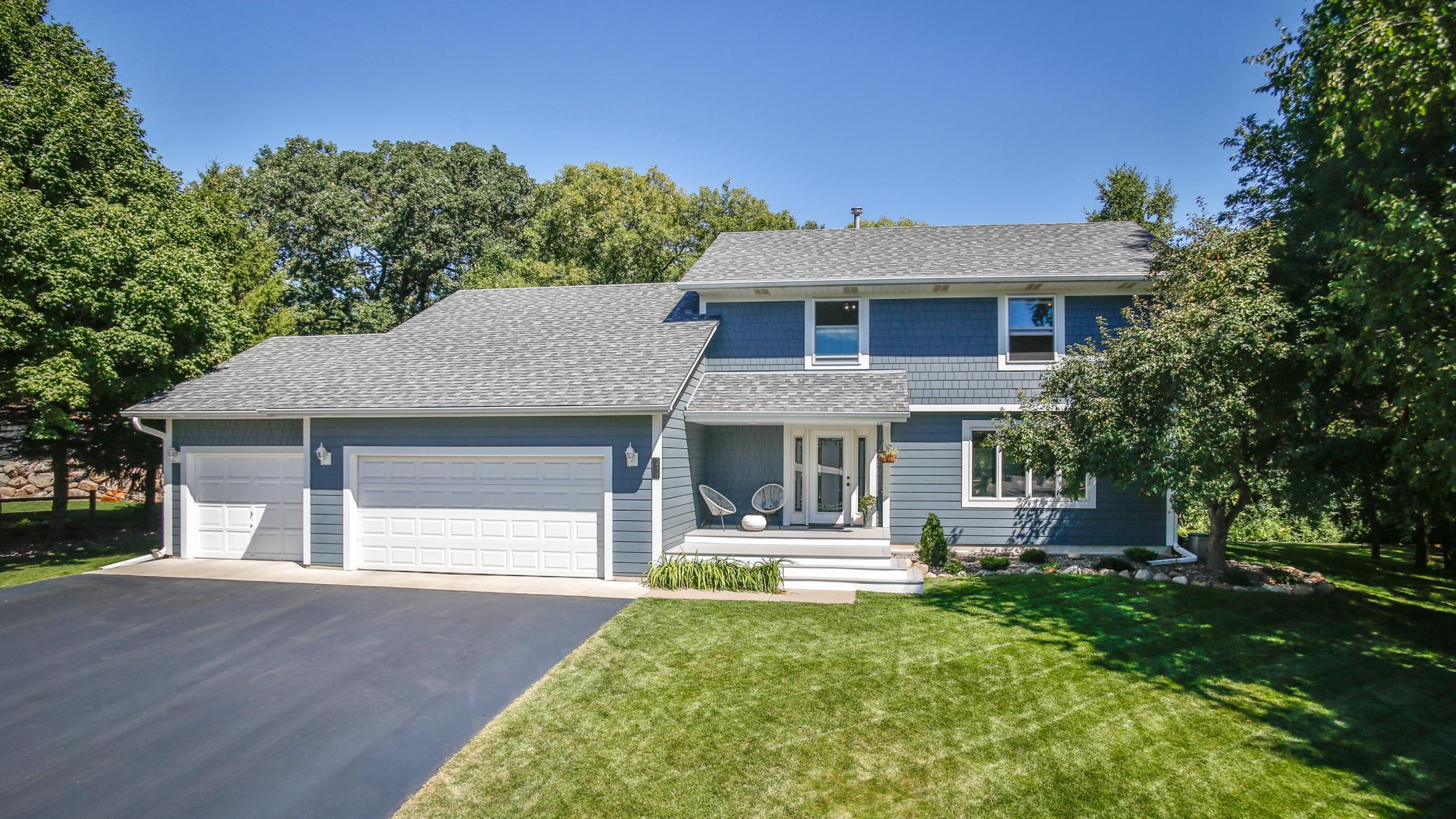2311 Valley View Avenue E Property Photo - Maplewood, MN real estate listing