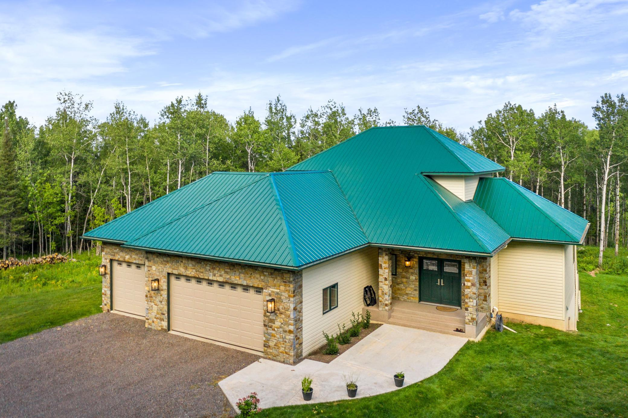 5425 Mcdonnell Road Property Photo - Duluth, MN real estate listing