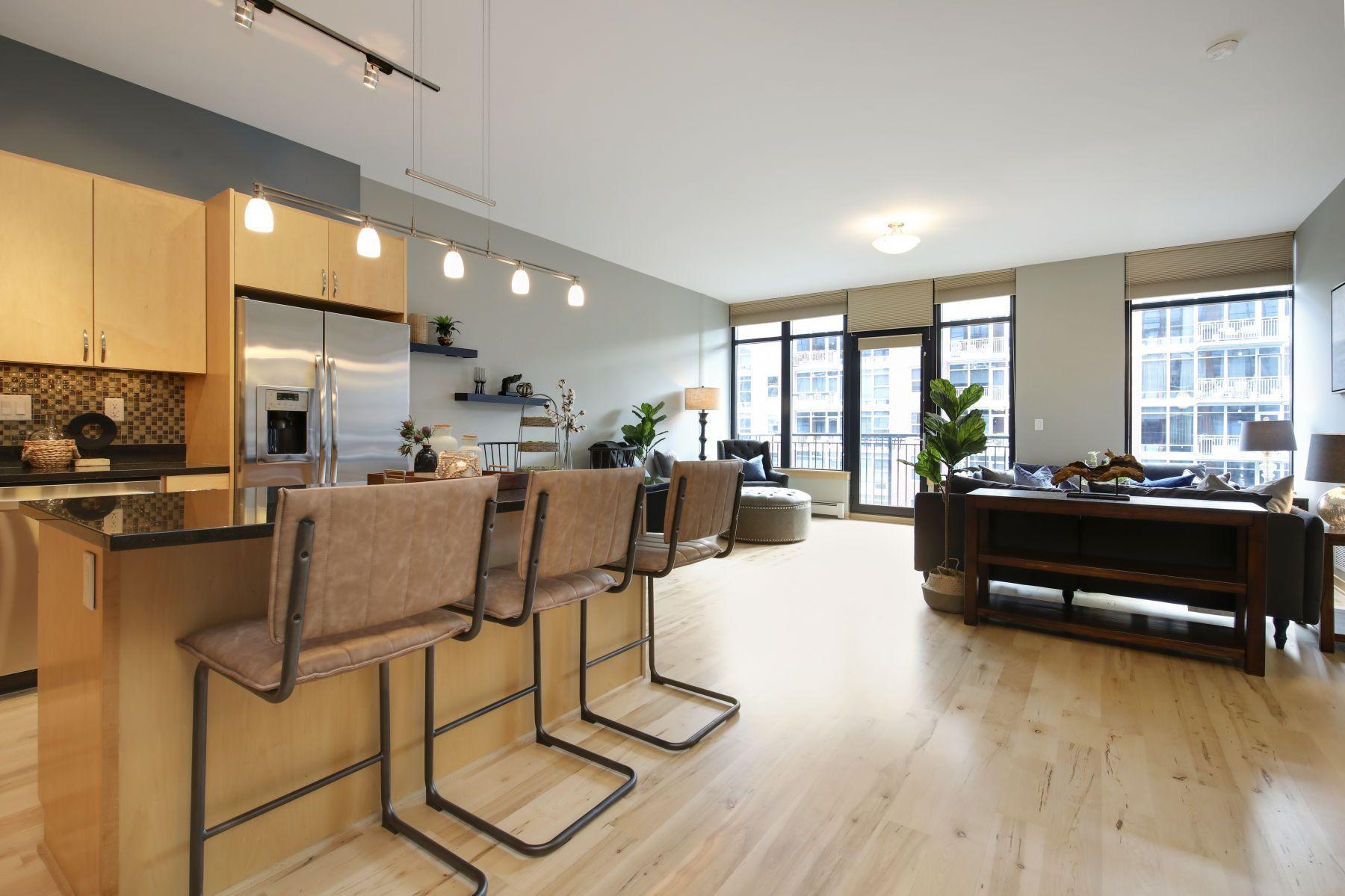 215 10th Avenue S #507 Property Photo
