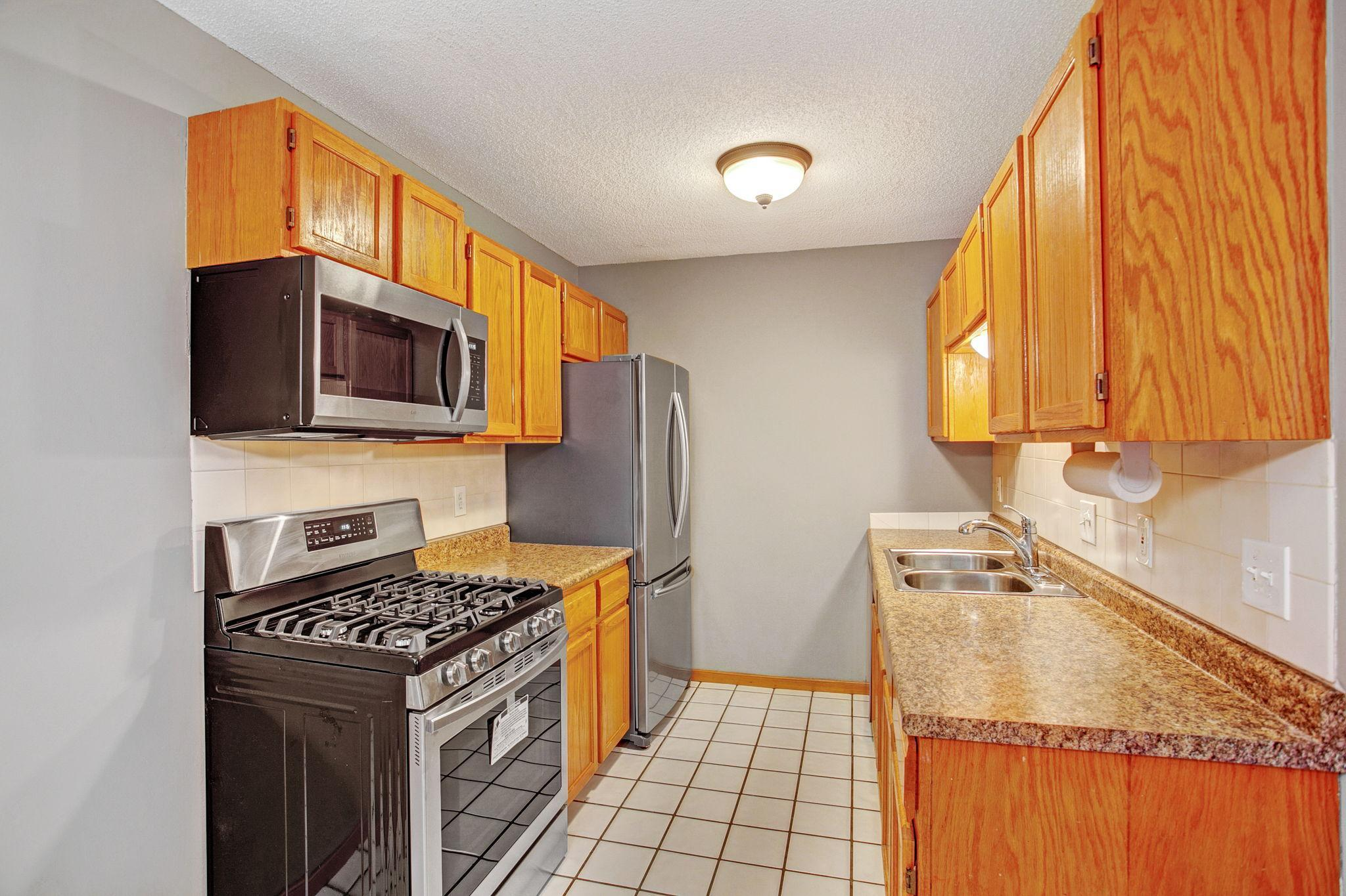 3218 Valley Ridge Drive #34 Property Photo - Eagan, MN real estate listing