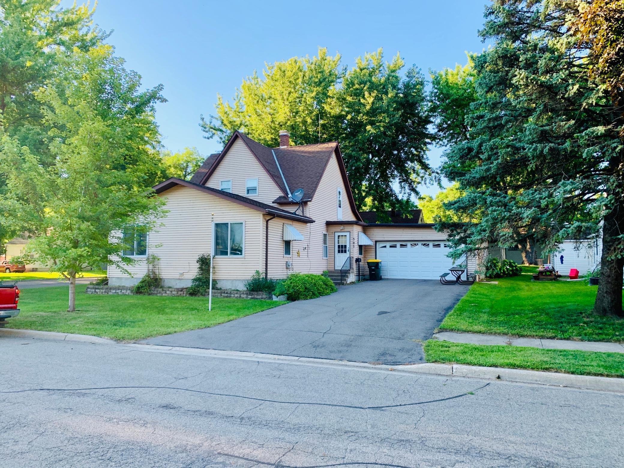 56255 Real Estate Listings Main Image