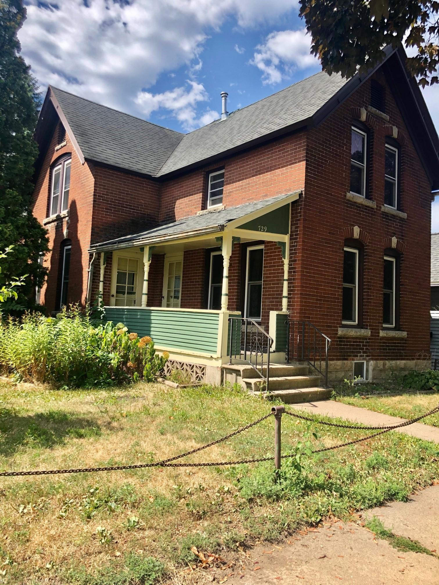 729 E 3rd Street Property Photo