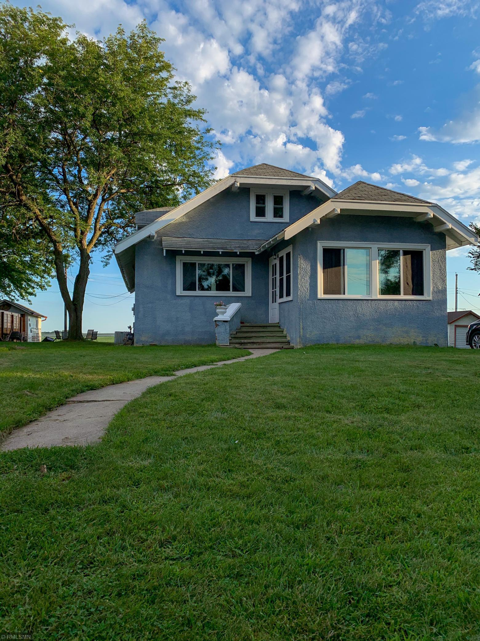 142 E 7th Street Property Photo - Gibbon, MN real estate listing