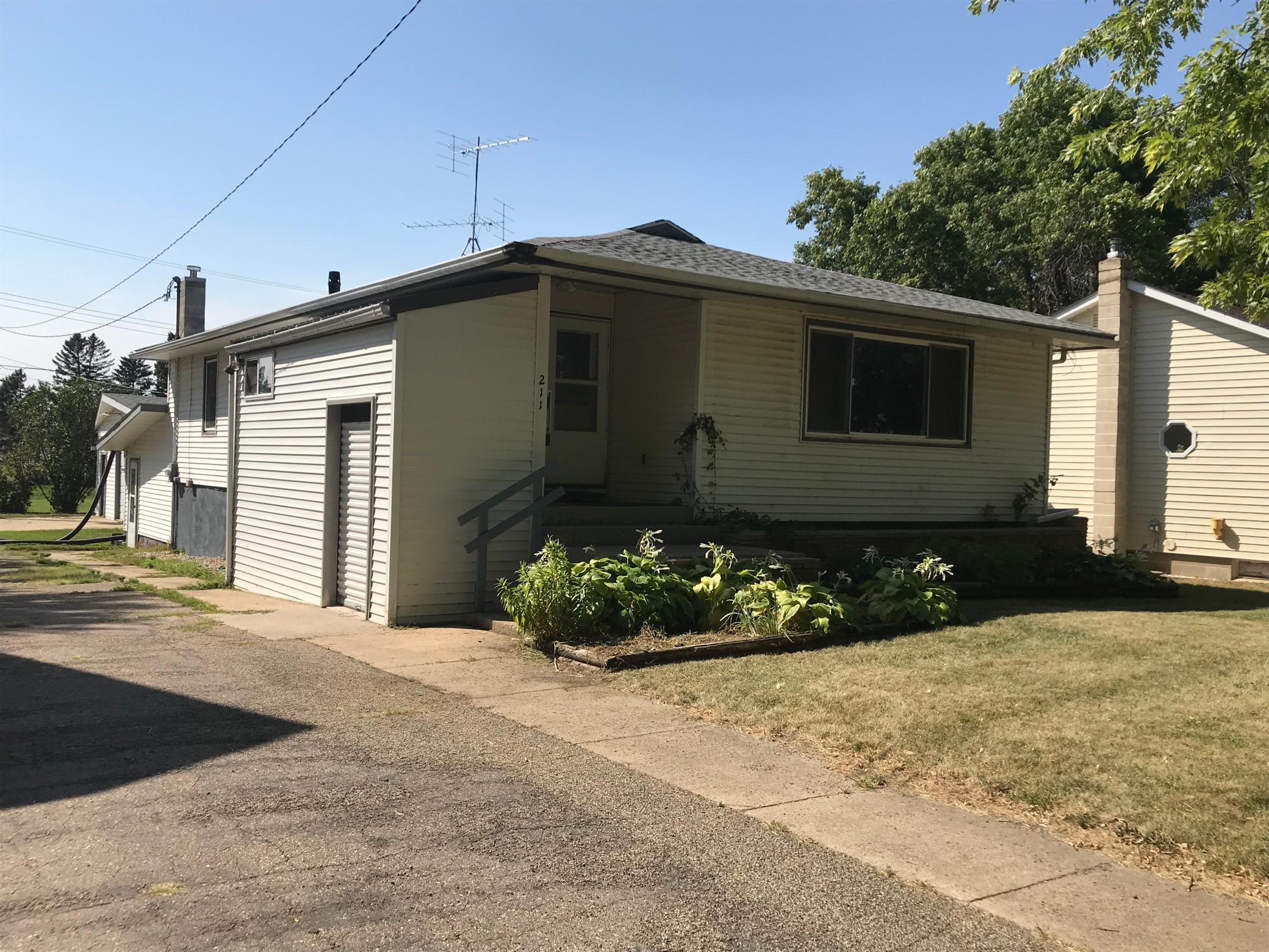 211 Lafayette Avenue S Property Photo - Fulda, MN real estate listing