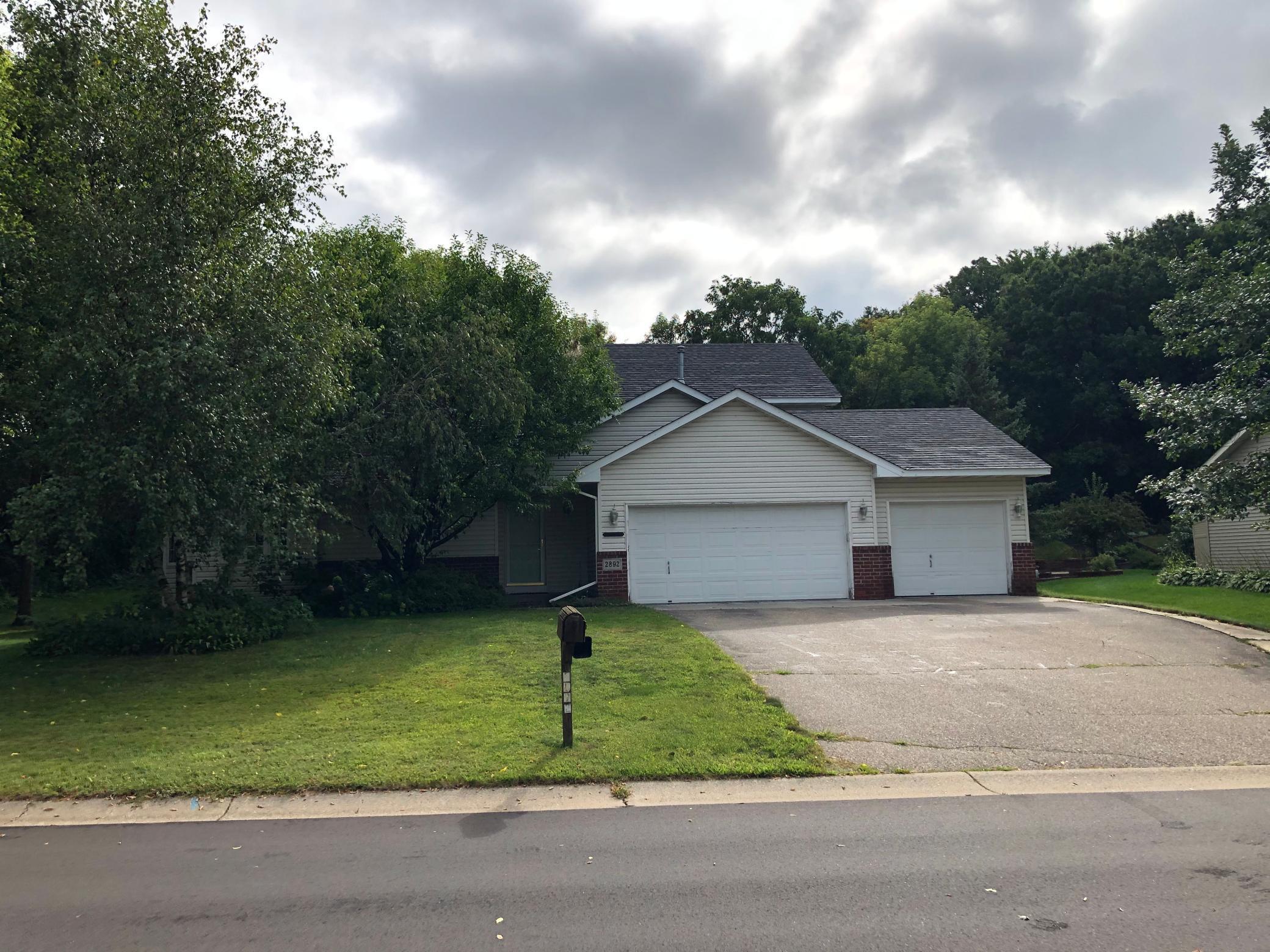 2892 Highridge Terrace Property Photo - Eagan, MN real estate listing