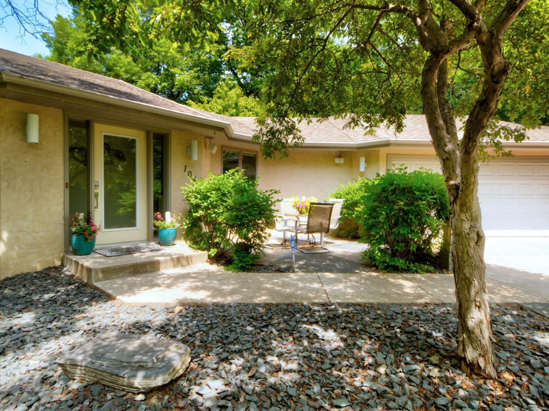 104 Southcross Drive E Property Photo - Burnsville, MN real estate listing