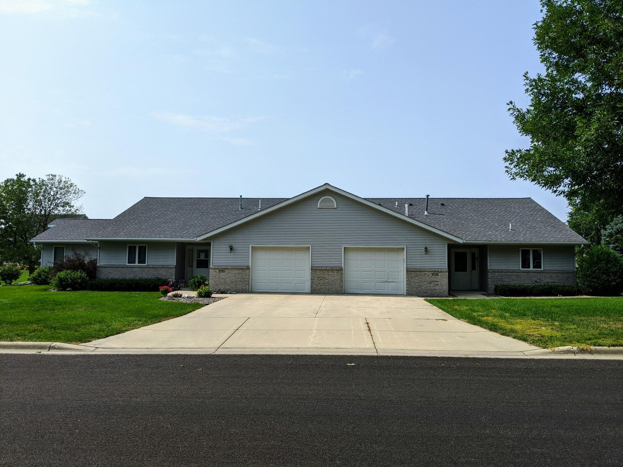 720 S 10th Street Property Photo - Bird Island, MN real estate listing