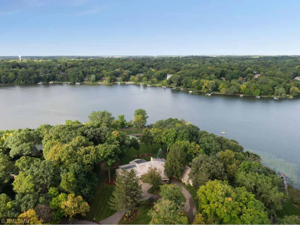 7008 Dakota Avenue Property Photo - Chanhassen, MN real estate listing