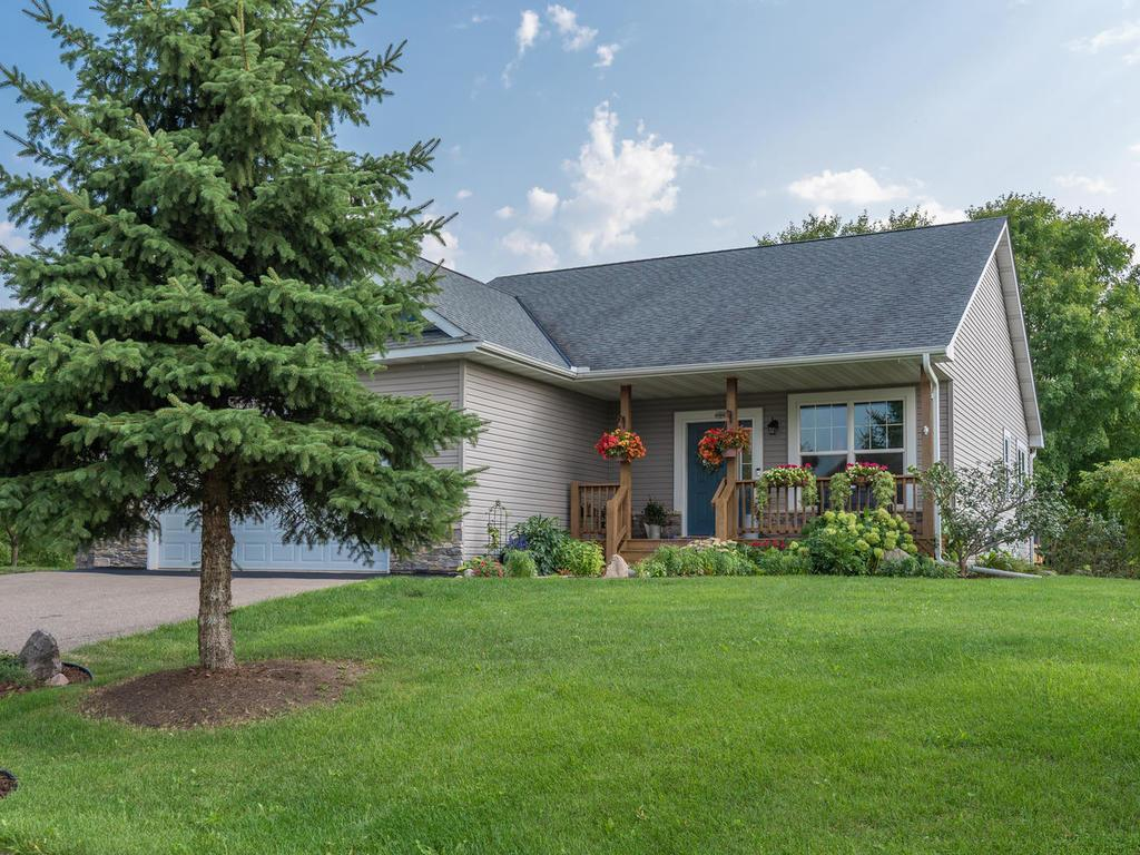 721 Quail Parkway Property Photo - Watertown, MN real estate listing