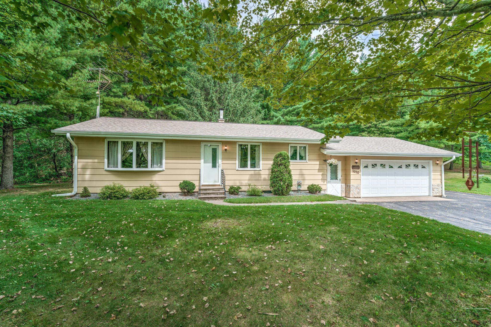 1020 W Partridge Avenue Property Photo - Elmwood, WI real estate listing