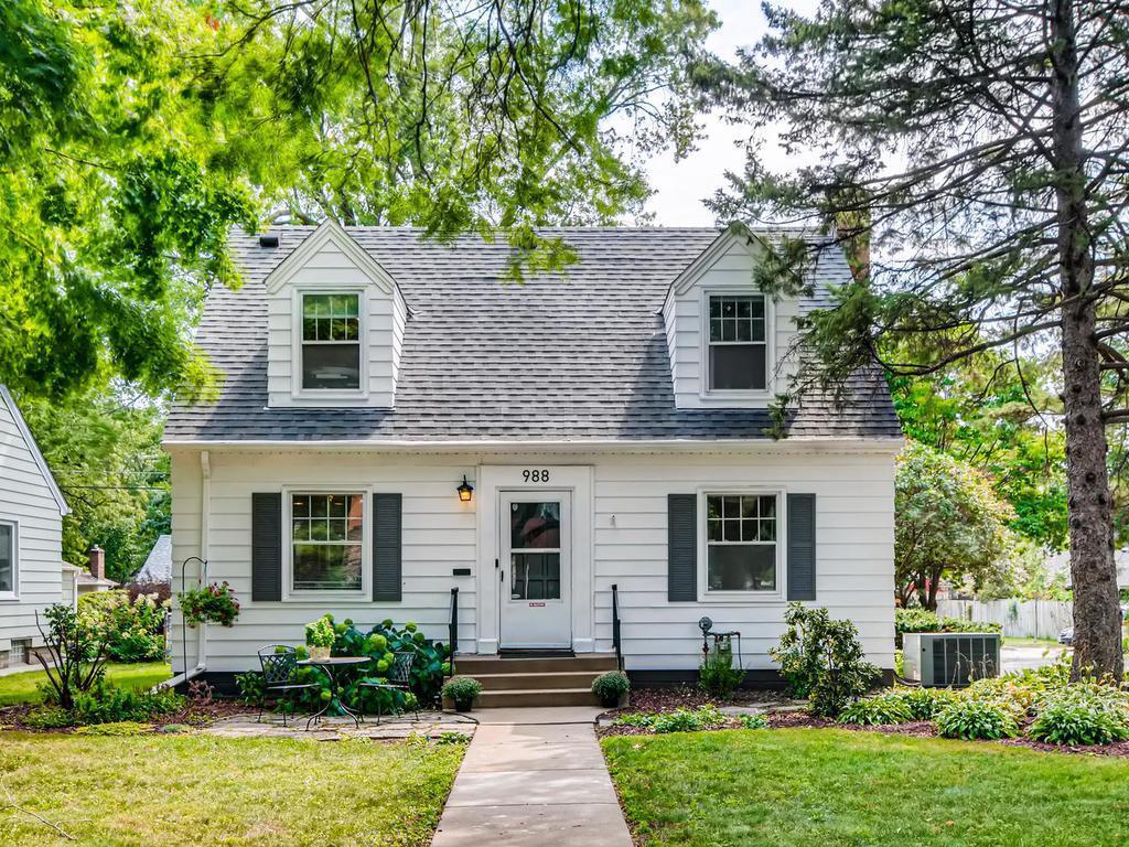 988 Hoyt Avenue W Property Photo - Saint Paul, MN real estate listing