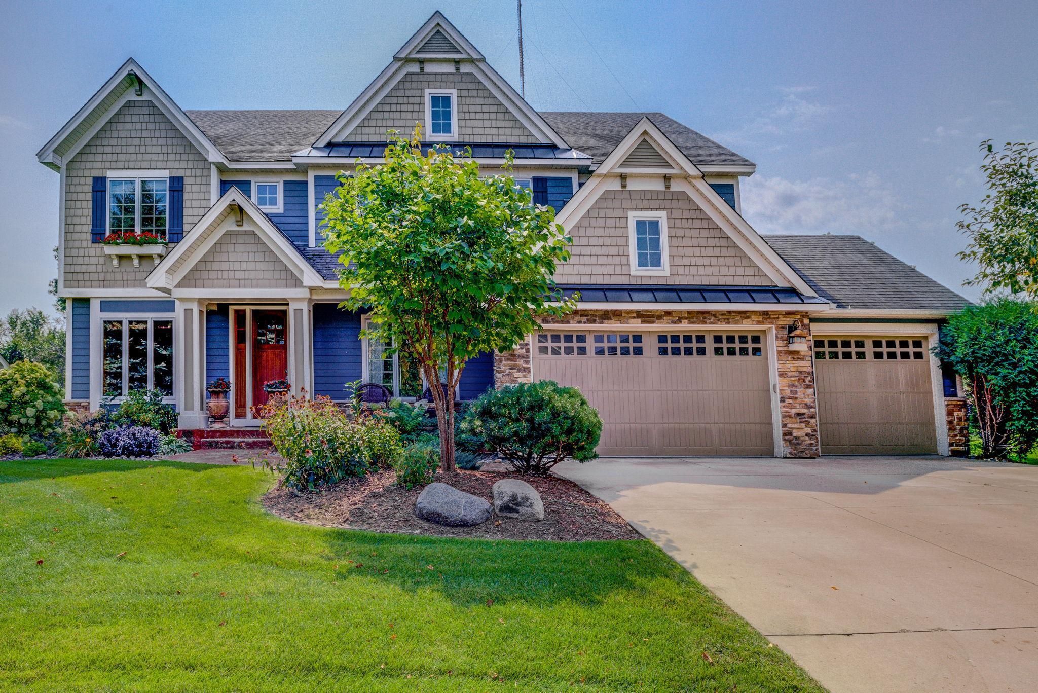 550 Lake Ridge Drive Property Photo - Shoreview, MN real estate listing