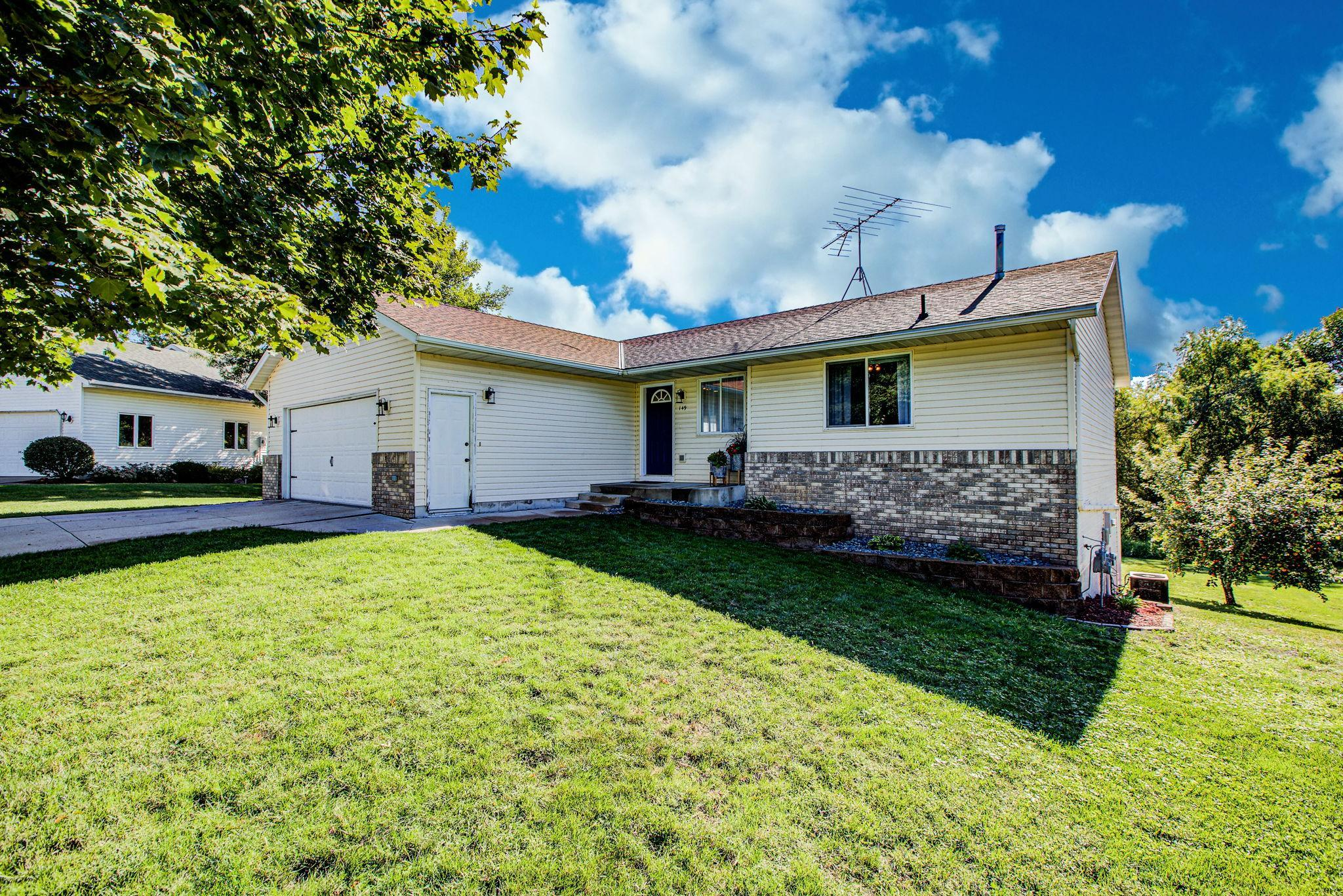 149 Fairlawn Avenue E Property Photo - Winsted, MN real estate listing