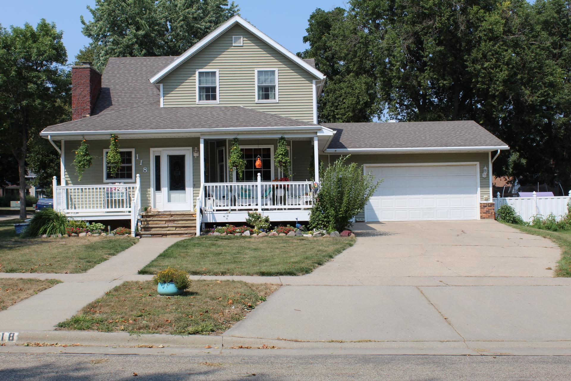 118 W Luverne Street Property Photo - Luverne, MN real estate listing