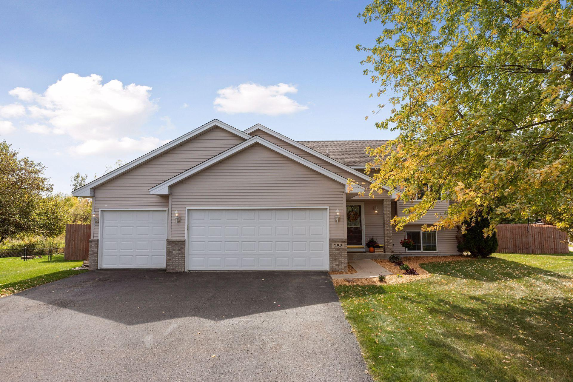 252 Ringneck Circle Property Photo - Montrose, MN real estate listing