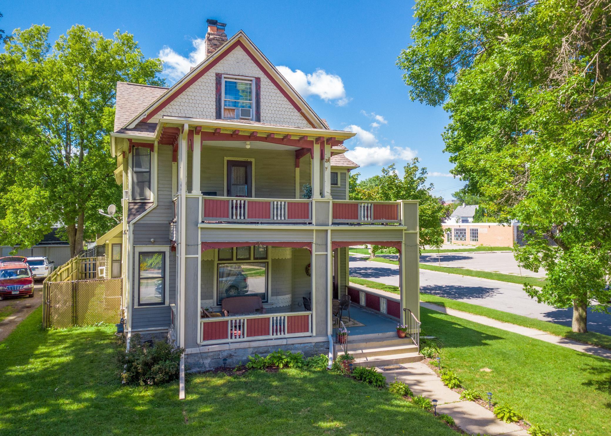 1731 Dupont Avenue N Property Photo