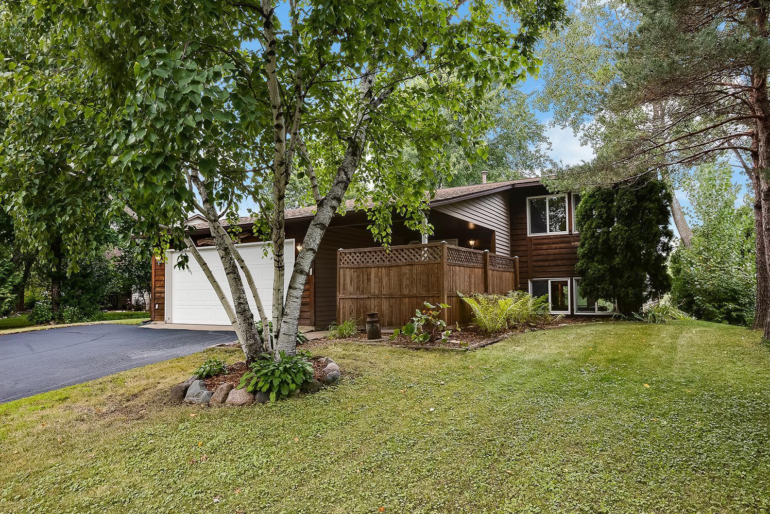 2259 Grange Avenue N Property Photo