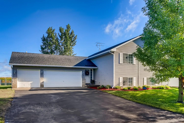 221 Quail Drive Property Photo - Montrose, MN real estate listing