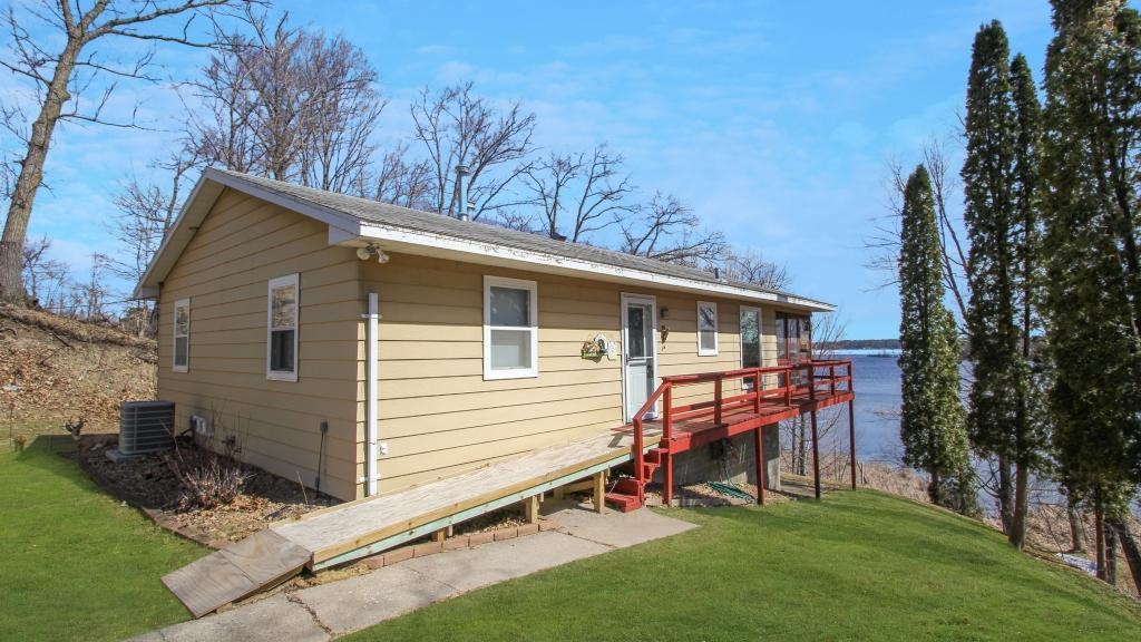 4552 Lakeview Drive Property Photo - Cushing, MN real estate listing
