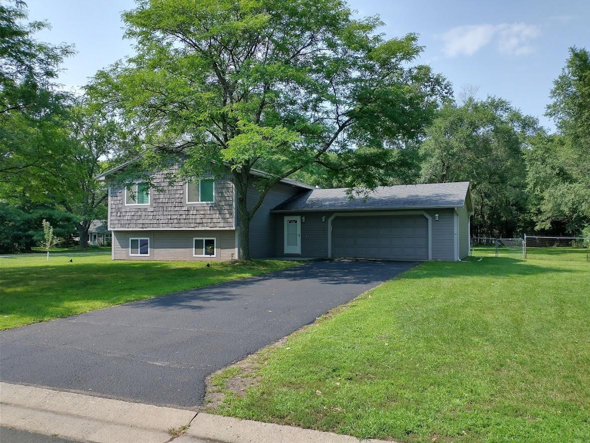 7625 Newton Avenue N Property Photo - Brooklyn Park, MN real estate listing