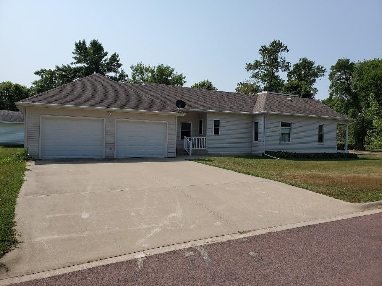 551 Birch Avenue Property Photo - Westbrook, MN real estate listing