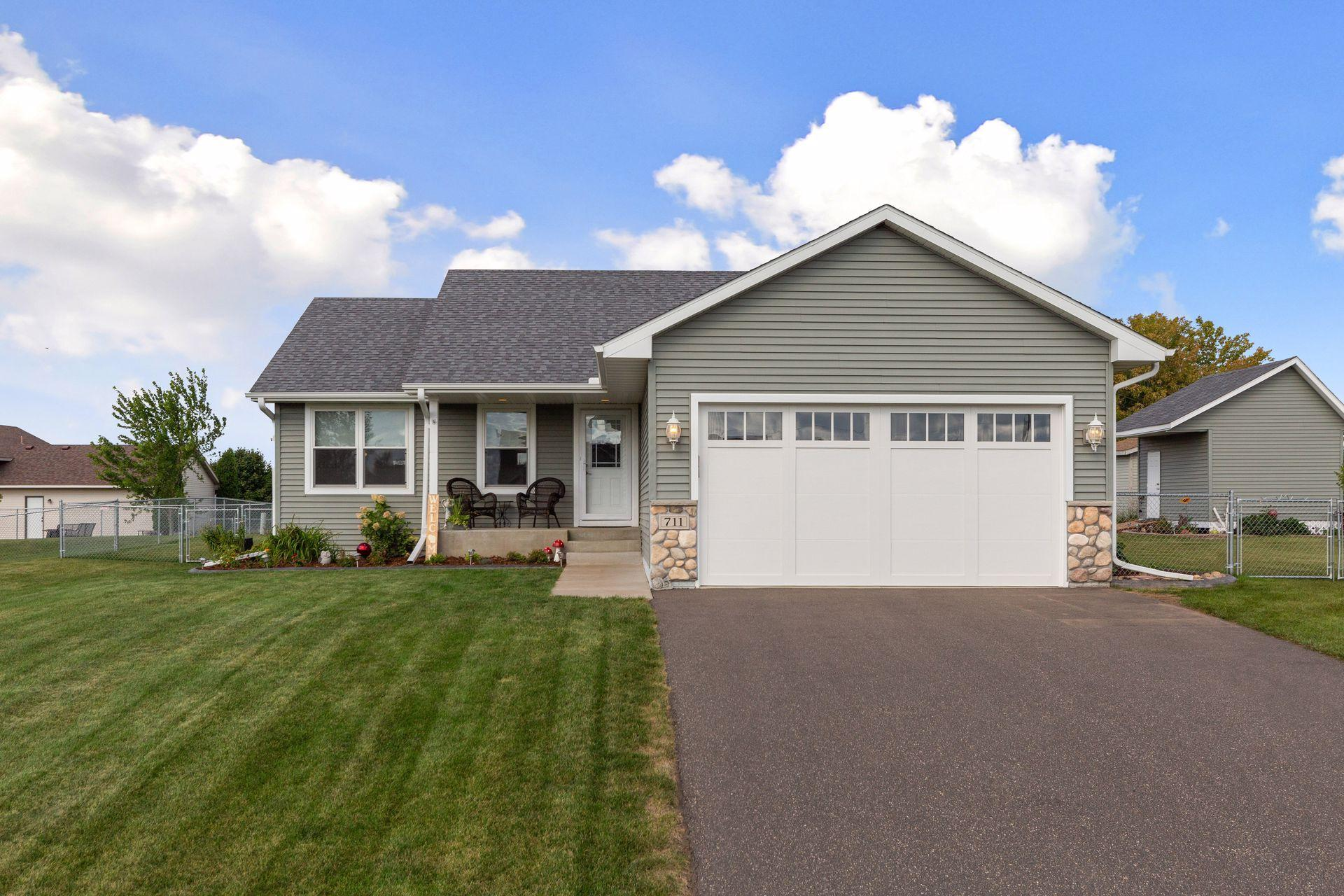 711 Sarah Anne Avenue Property Photo - Roberts, WI real estate listing