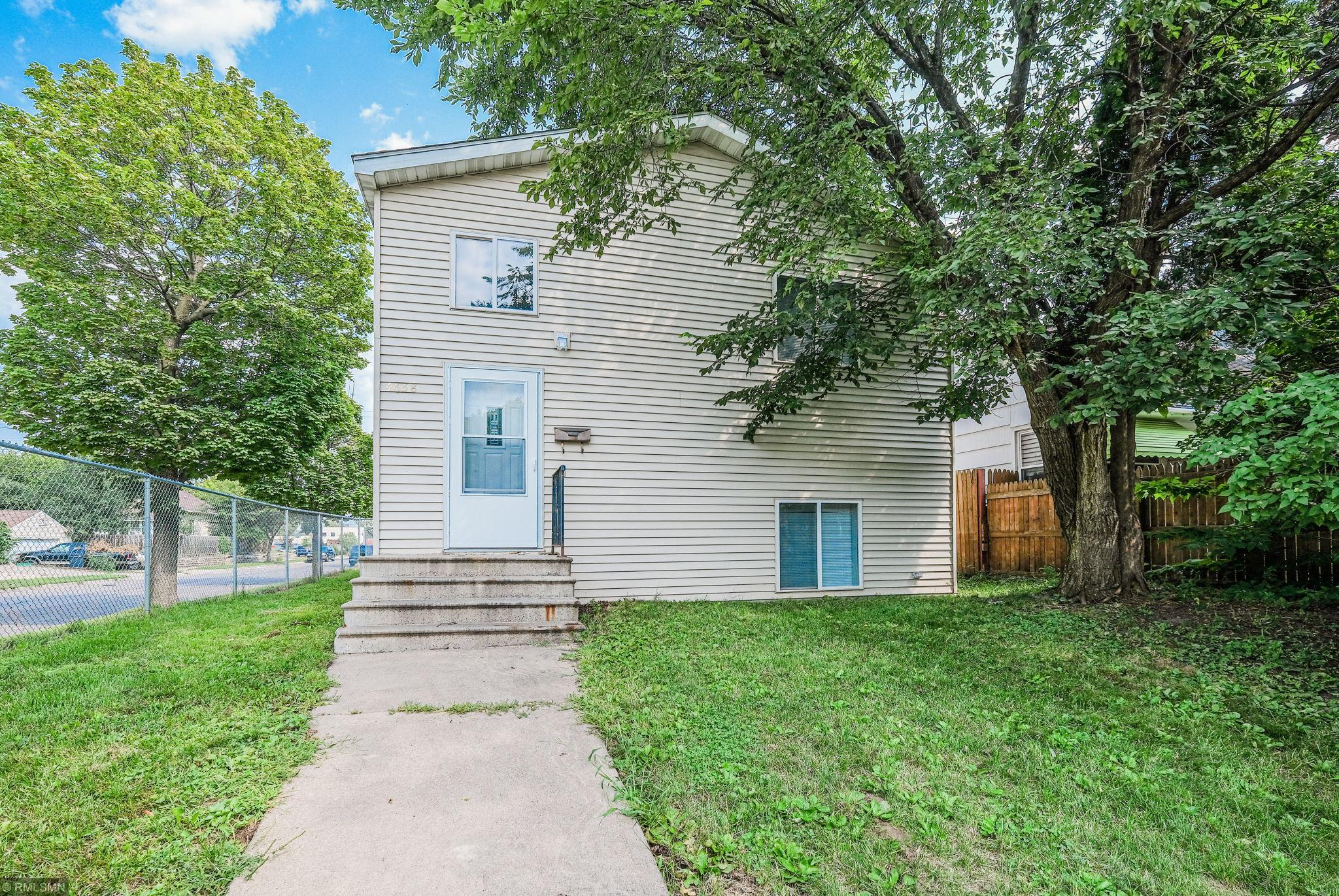4658 Camden Avenue N Property Photo