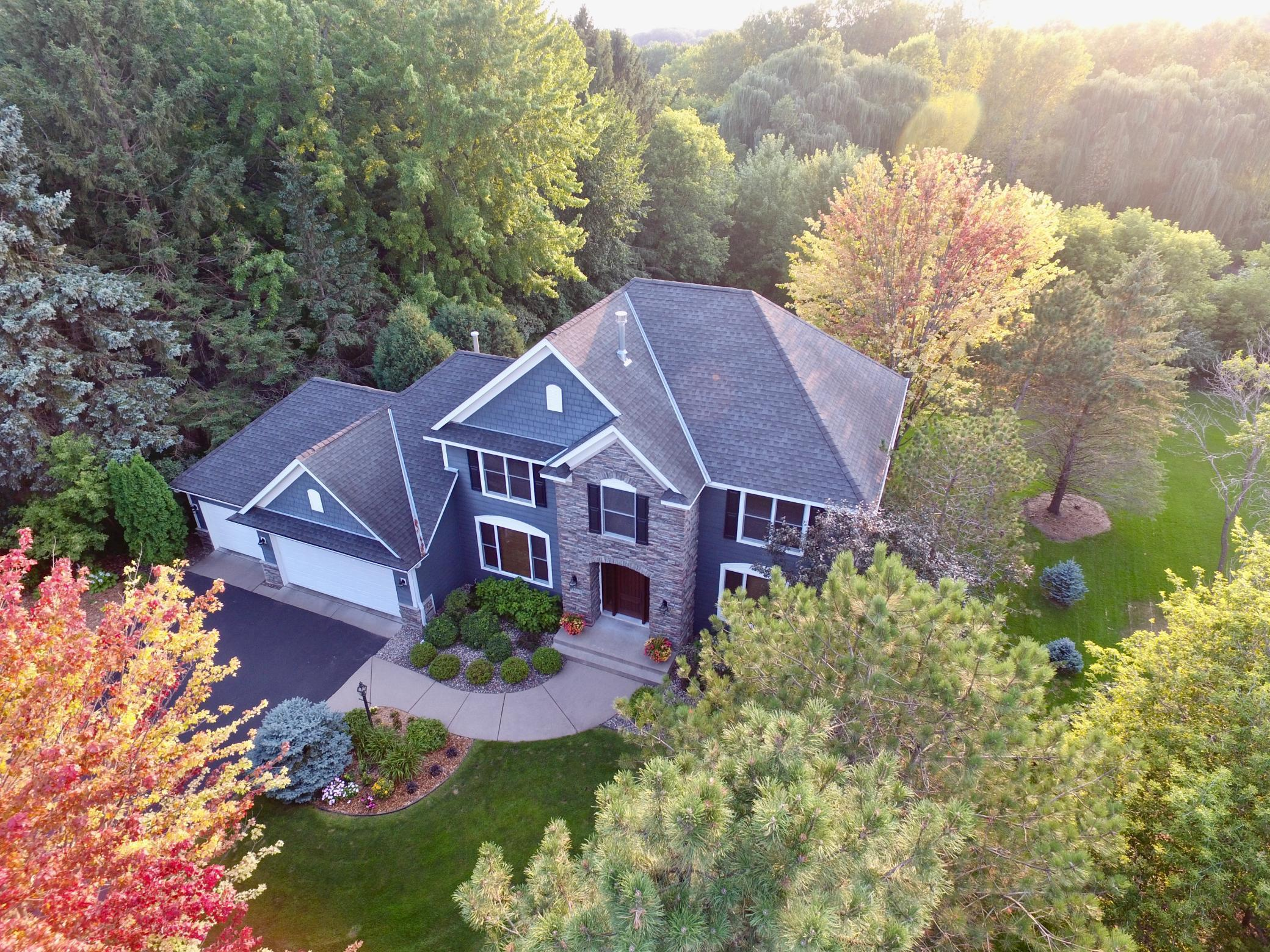 2400 Hidden Lake Drive Property Photo - Woodbury, MN real estate listing