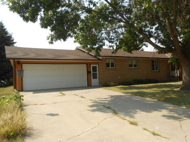 860 Miller Avenue Avenue Property Photo - Windom, MN real estate listing