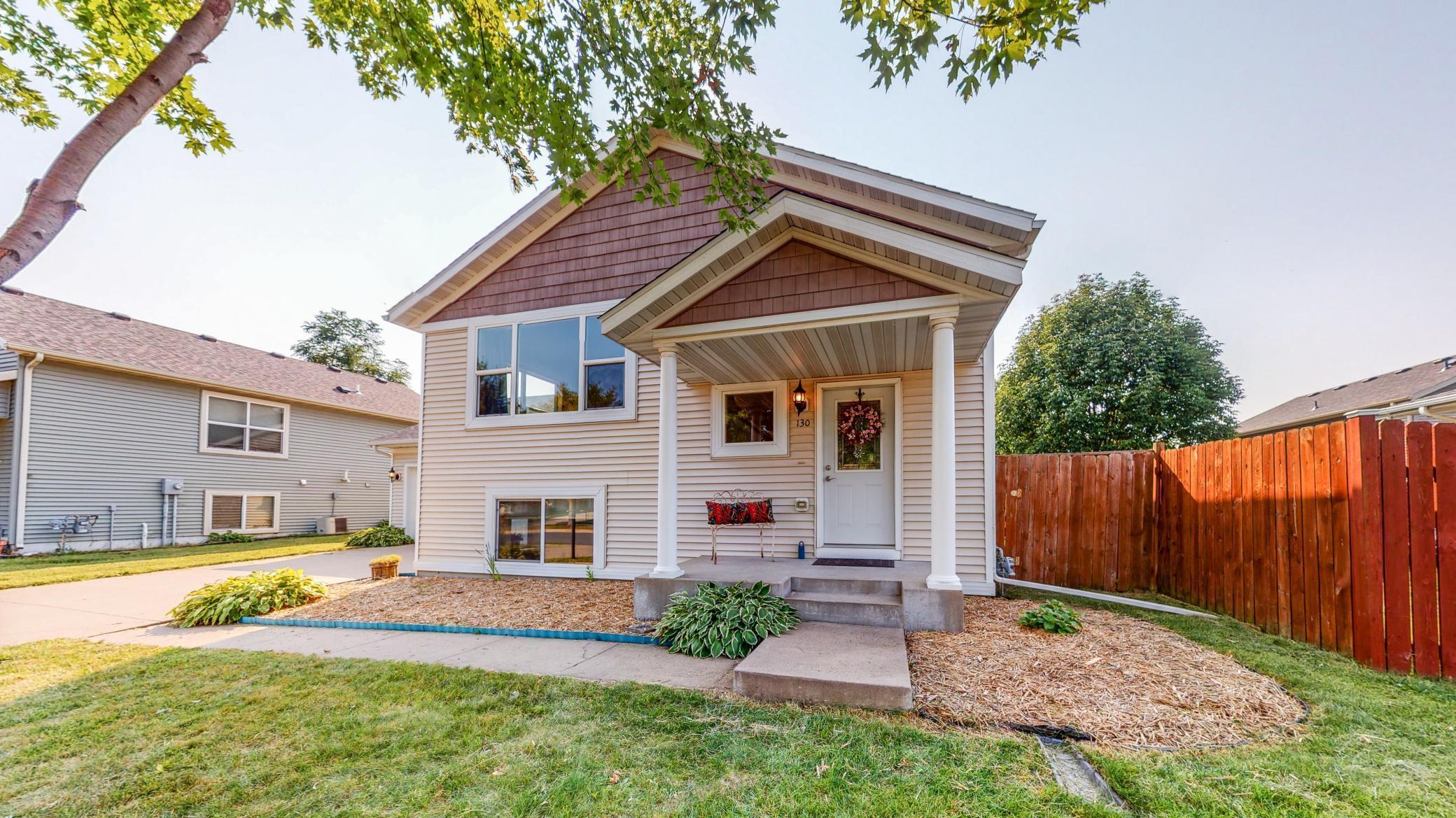 130 8th Street NE Property Photo - Plainview, MN real estate listing