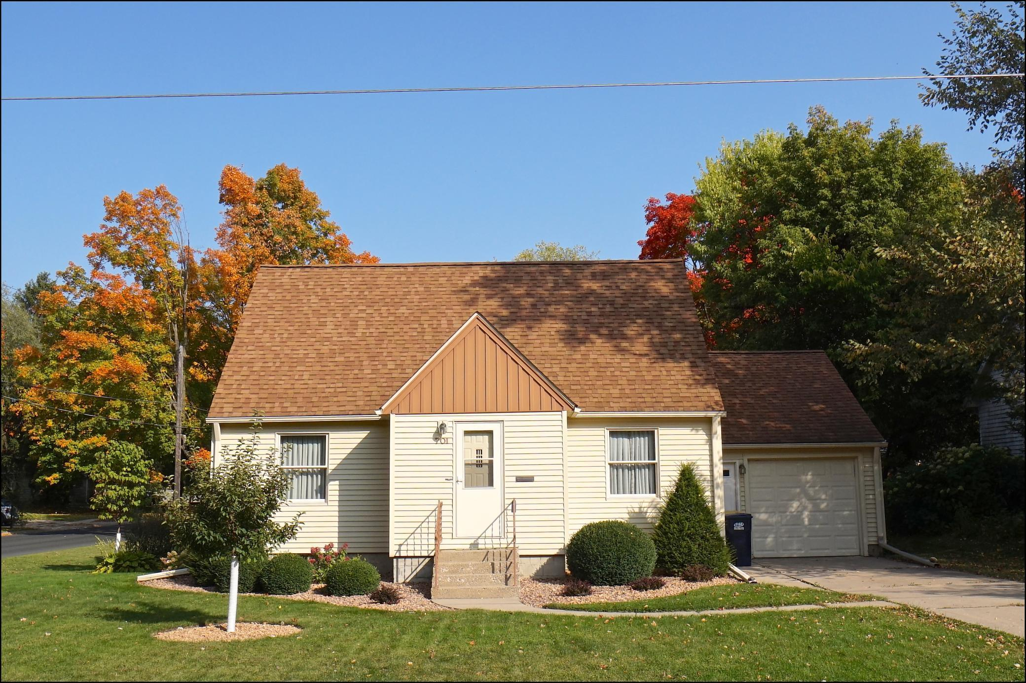 701 College Street Property Photo