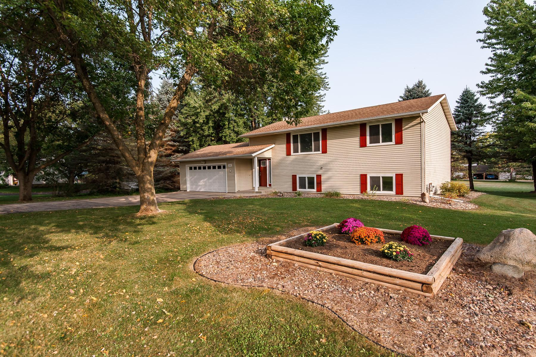 315 7th Street SW Property Photo - Oronoco, MN real estate listing