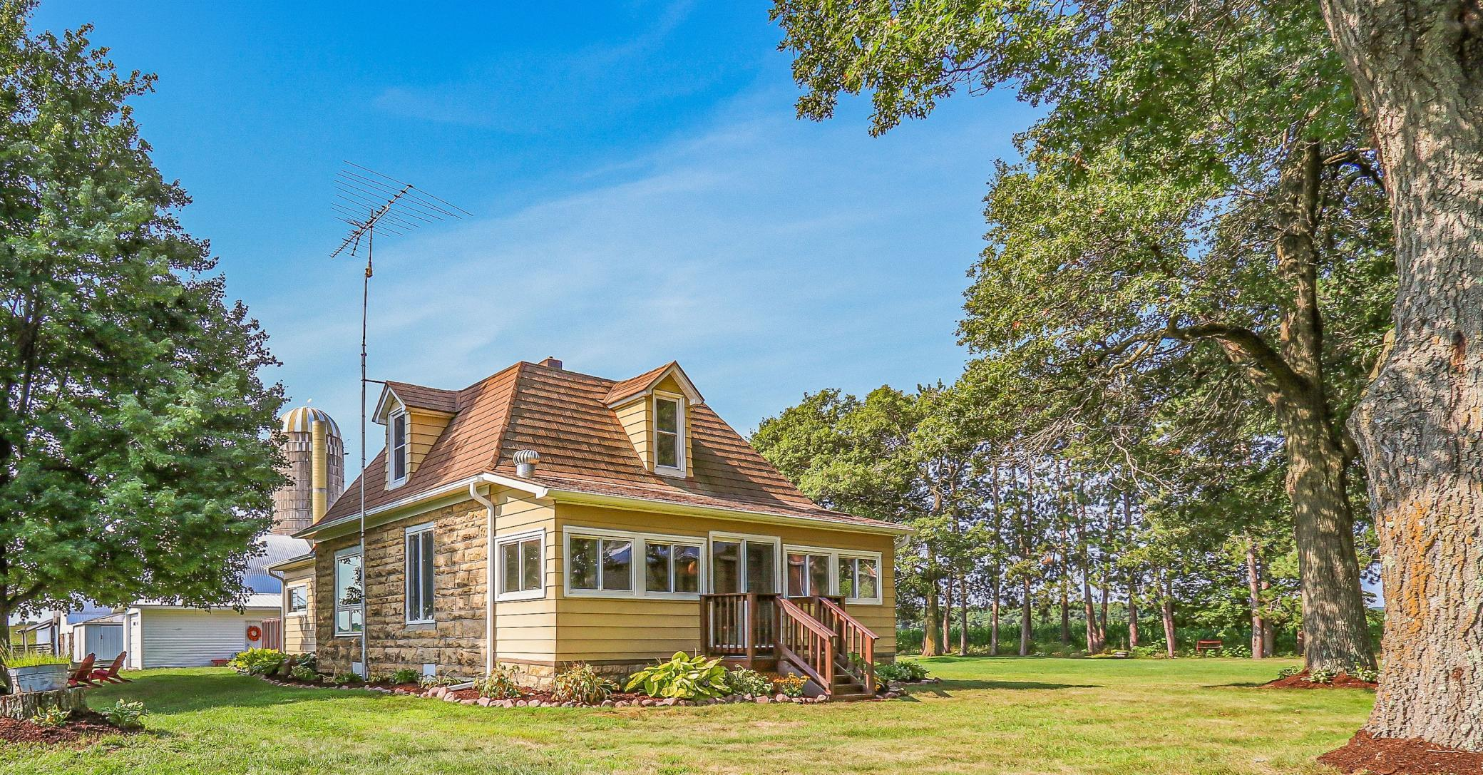 2503 County Highway N Property Photo - Howard Twp, WI real estate listing