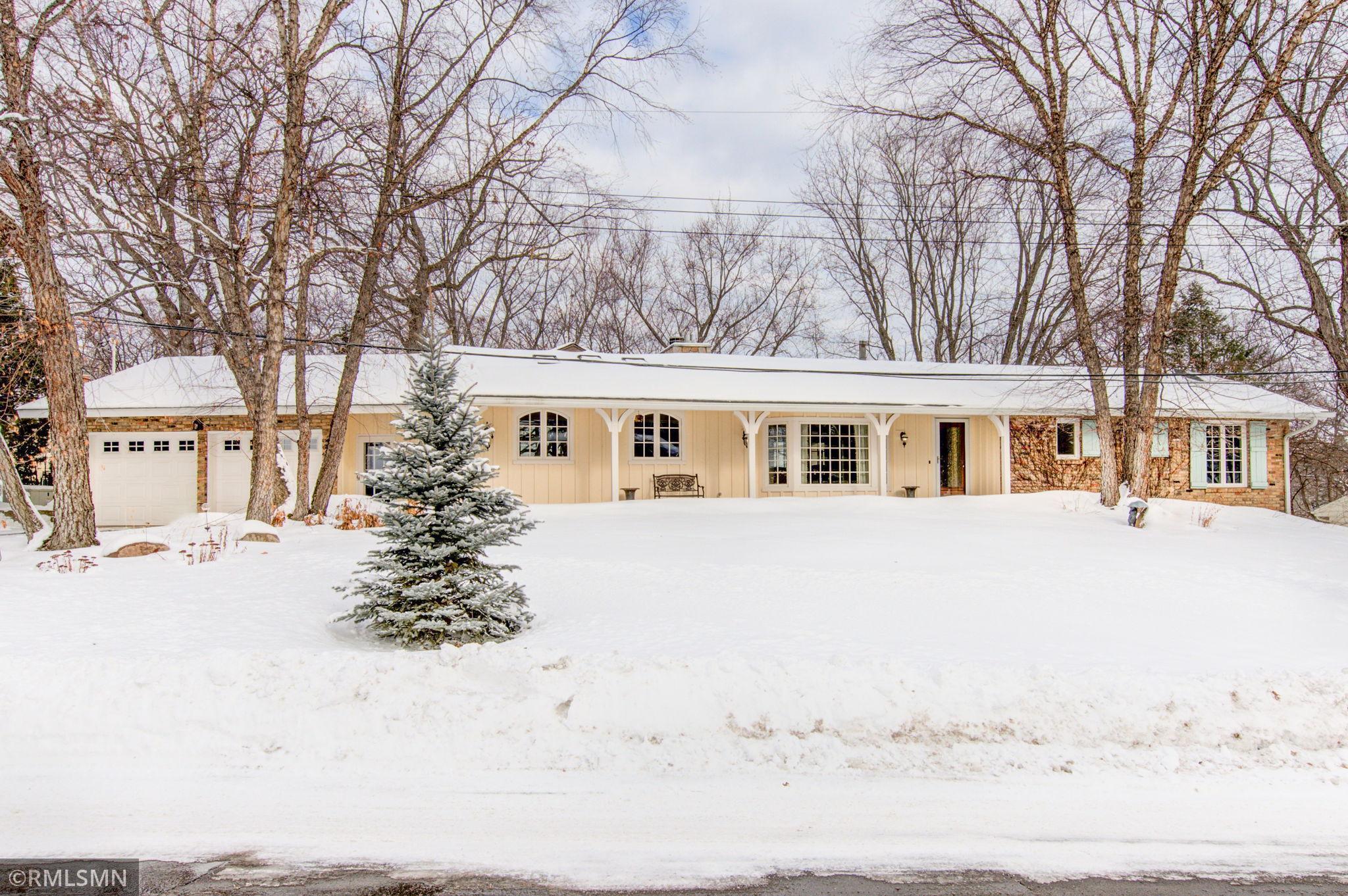 3923 Huntingdon Drive Property Photo - Minnetonka, MN real estate listing