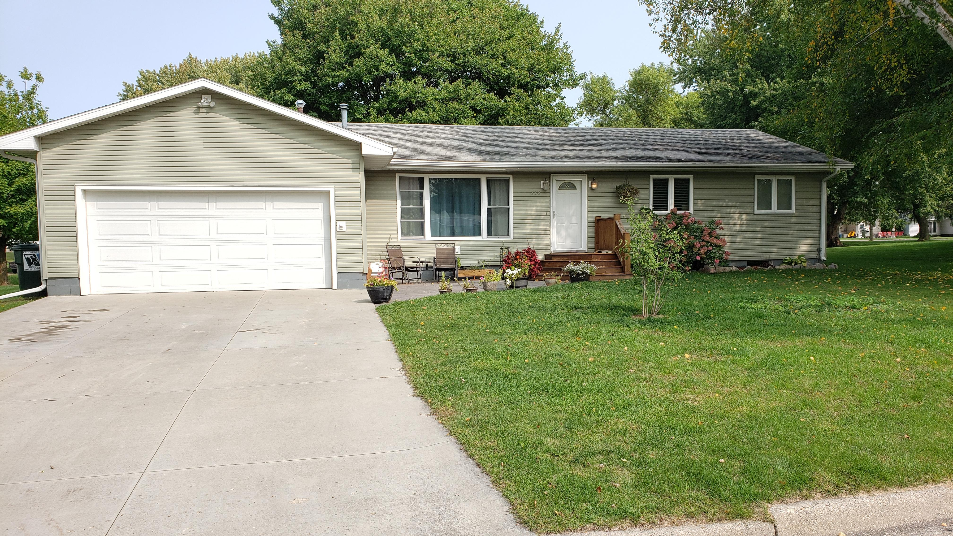 318 2nd Street SW Property Photo - Blooming Prairie, MN real estate listing