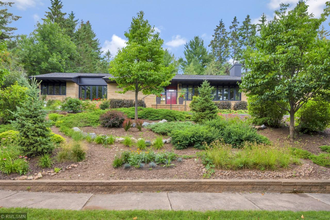 2727 E 8th Street Property Photo - Duluth, MN real estate listing