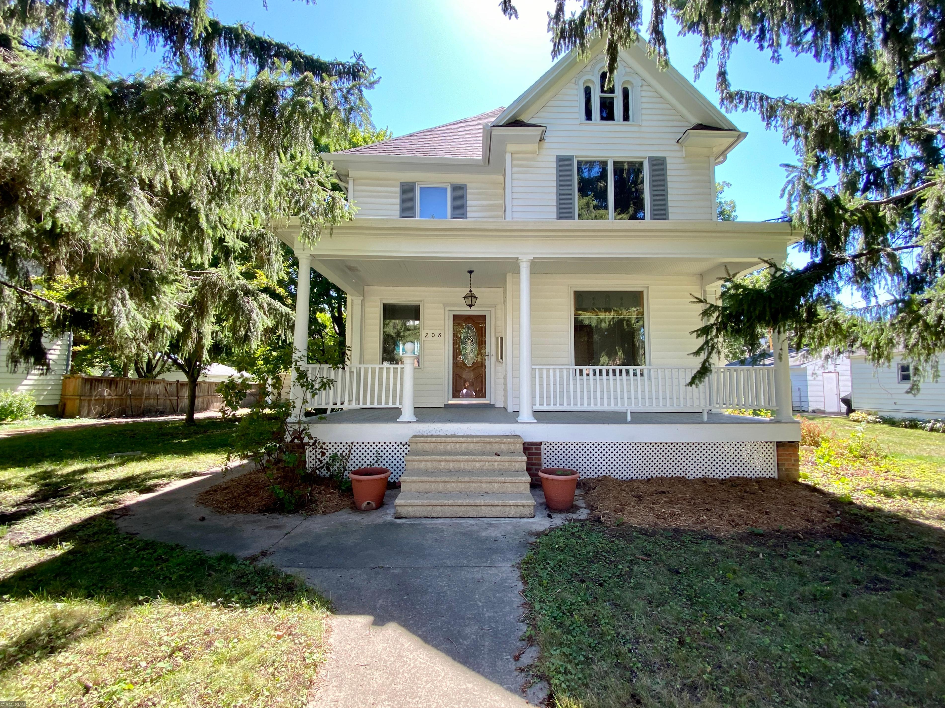 208 2nd Street Sw Property Photo