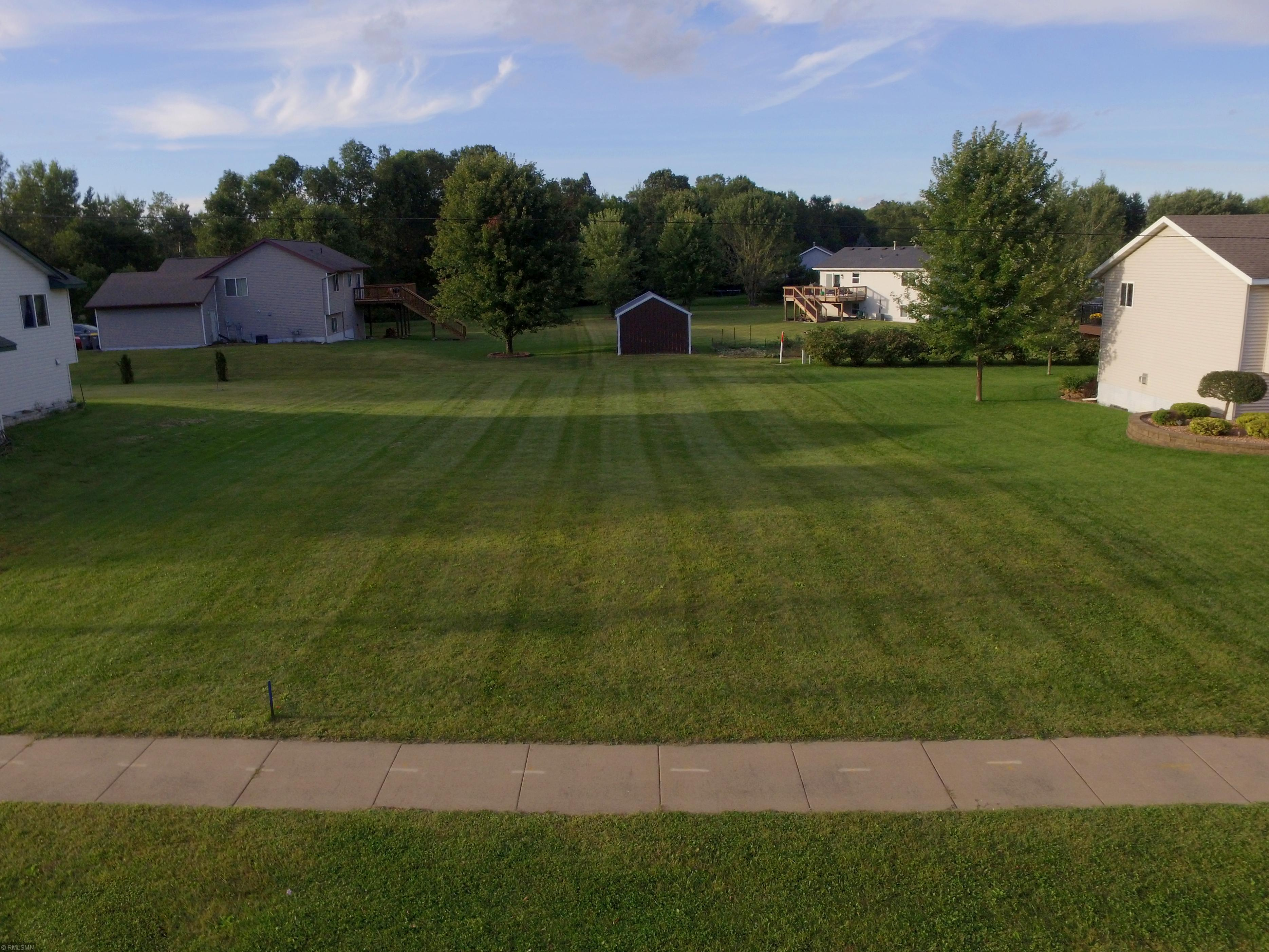 915 Southside Drive Property Photo - Woodville, WI real estate listing