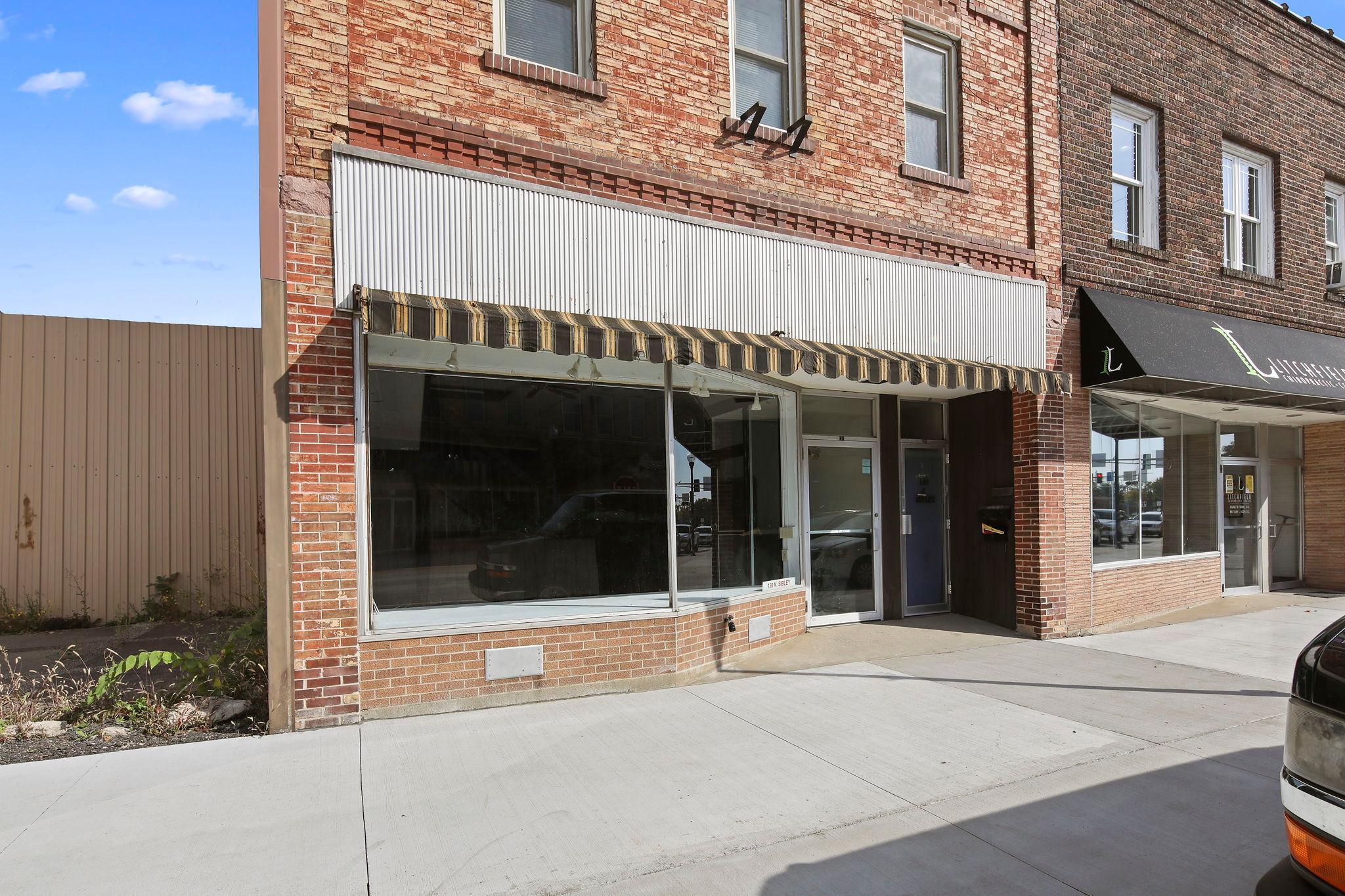 130 N Sibley Avenue Property Photo