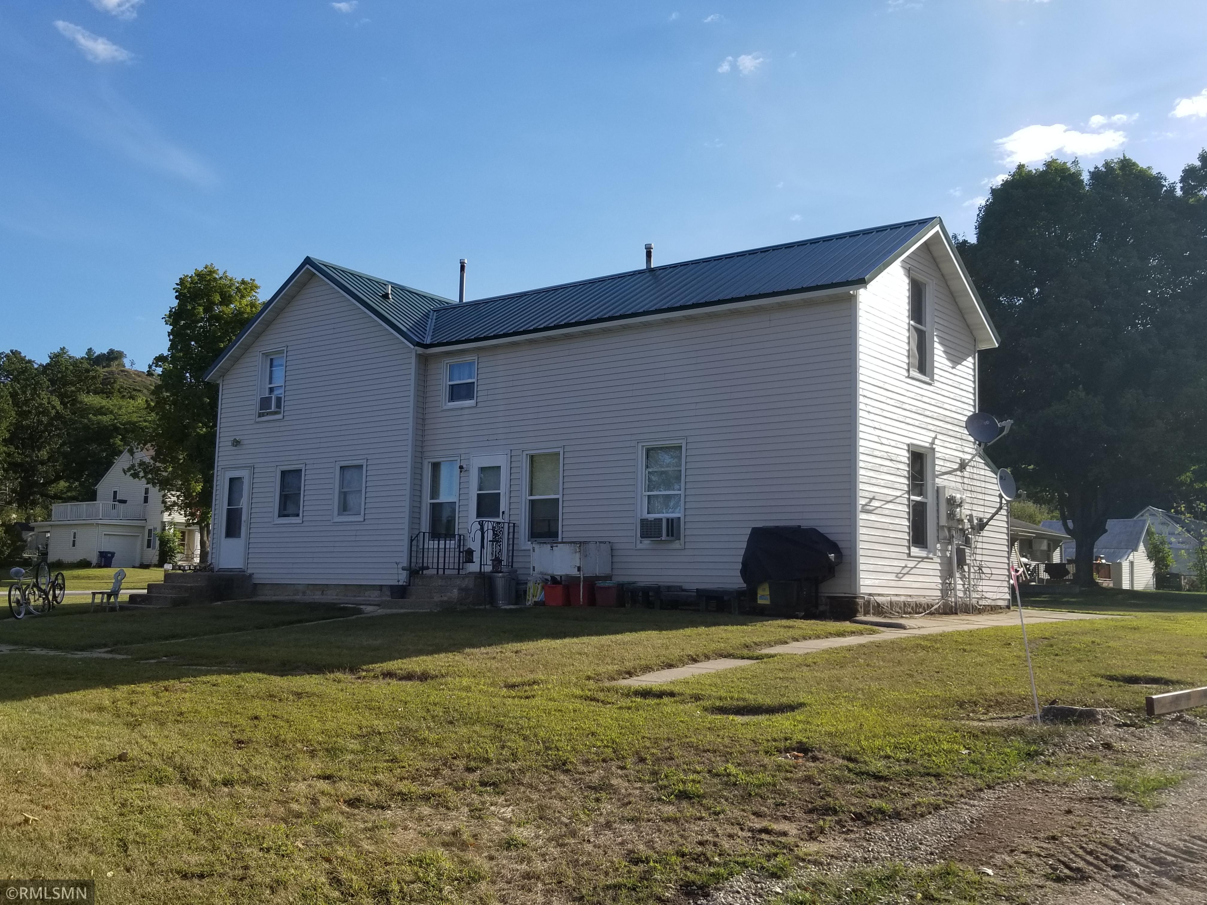 110 N Burr Oak Street Property Photo