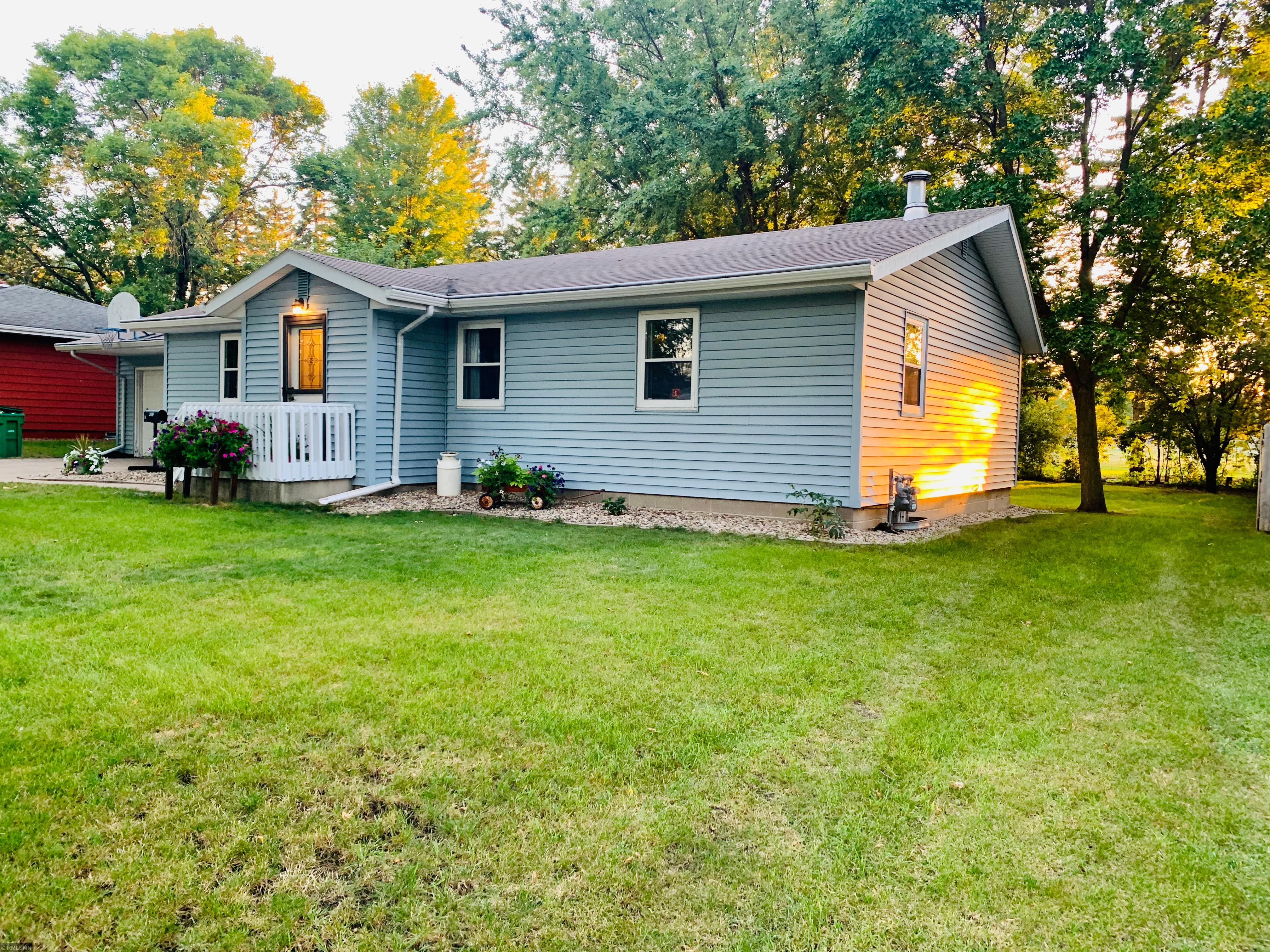 437 4th Street E Property Photo - Tracy, MN real estate listing
