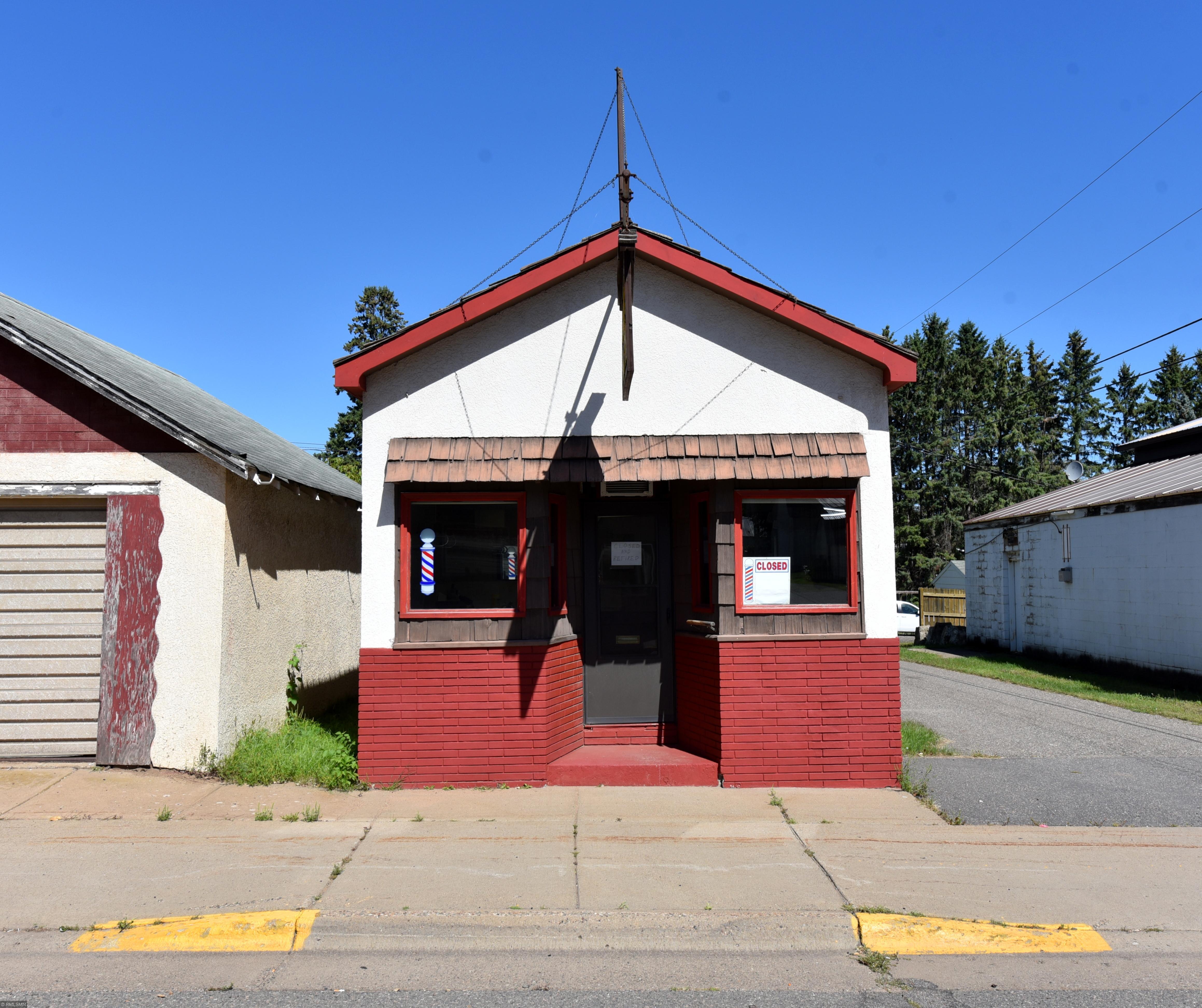 425 Oak Street Property Photo