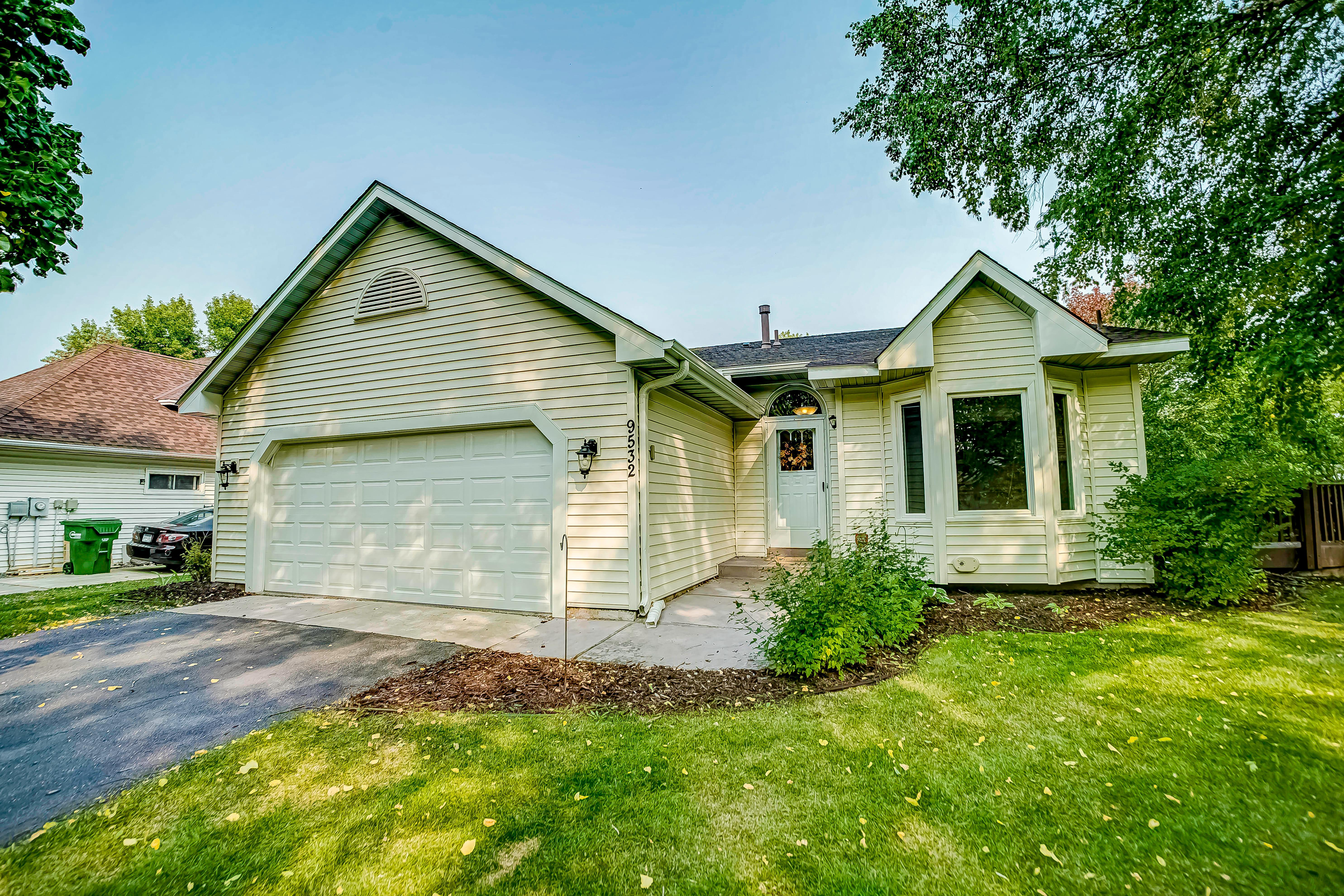 9532 James Avenue N Property Photo - Brooklyn Park, MN real estate listing