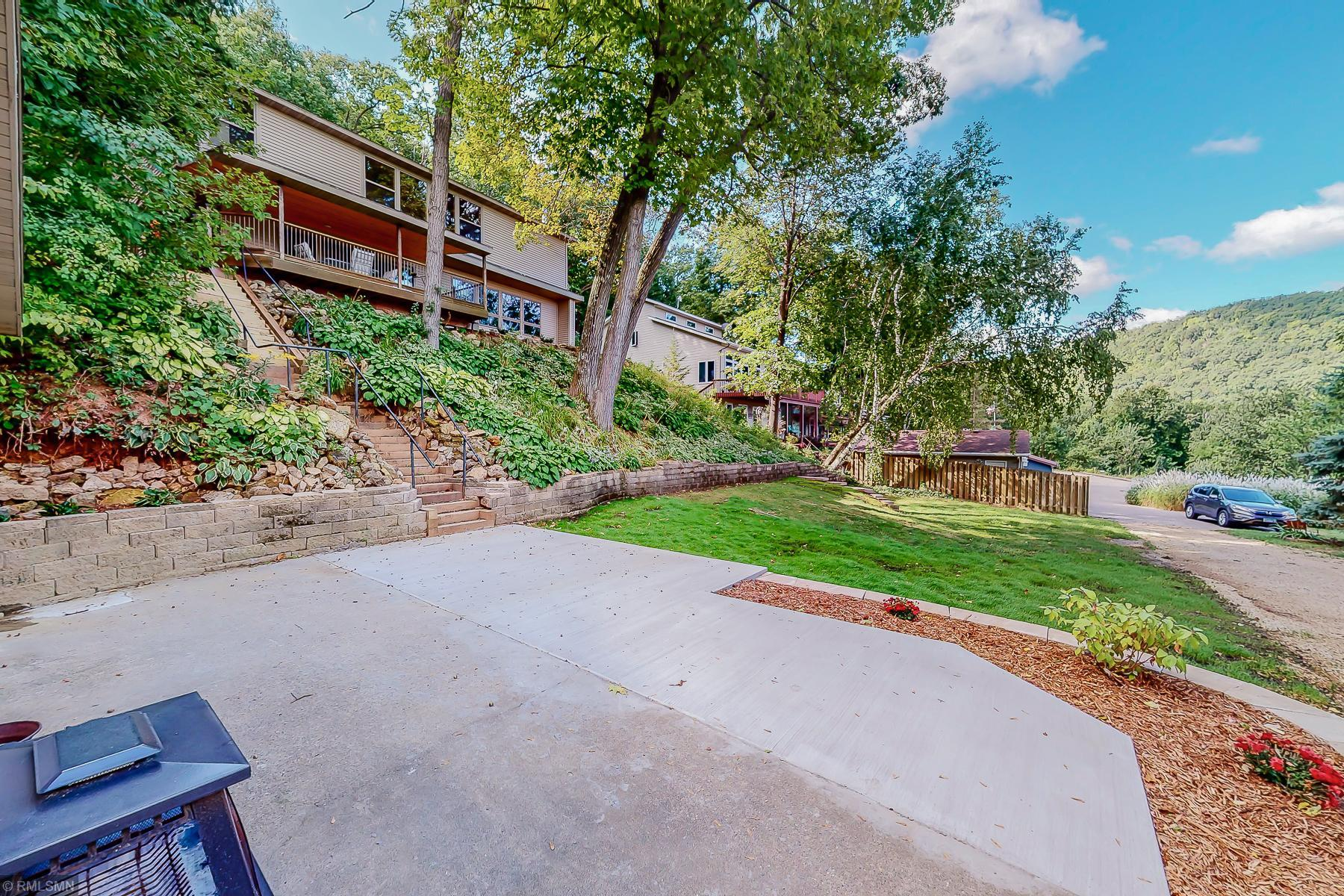 71042 246th Avenue Property Photo - Lake City, MN real estate listing