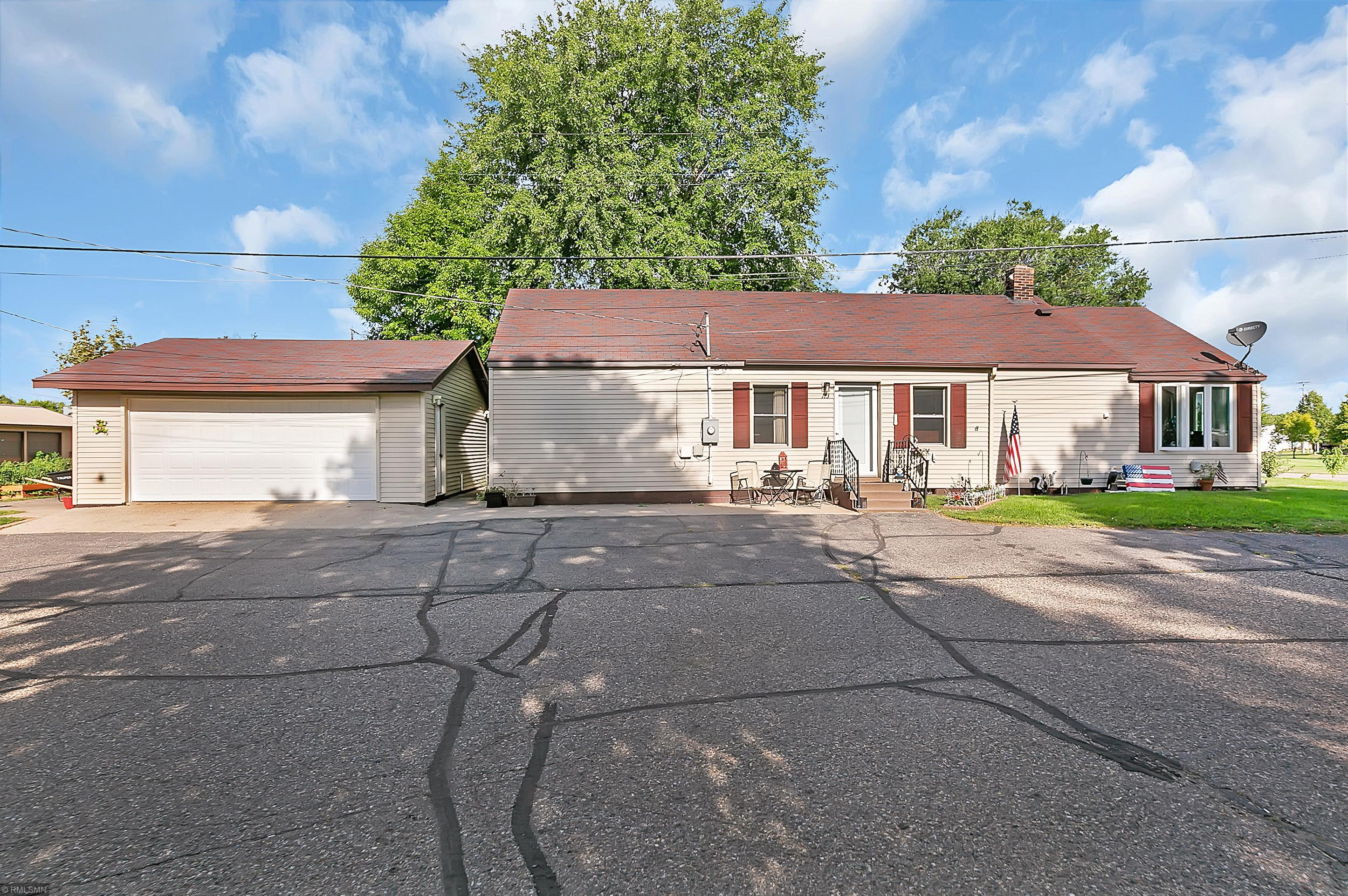 113 Barracuda Avenue NE Property Photo - Avon, MN real estate listing